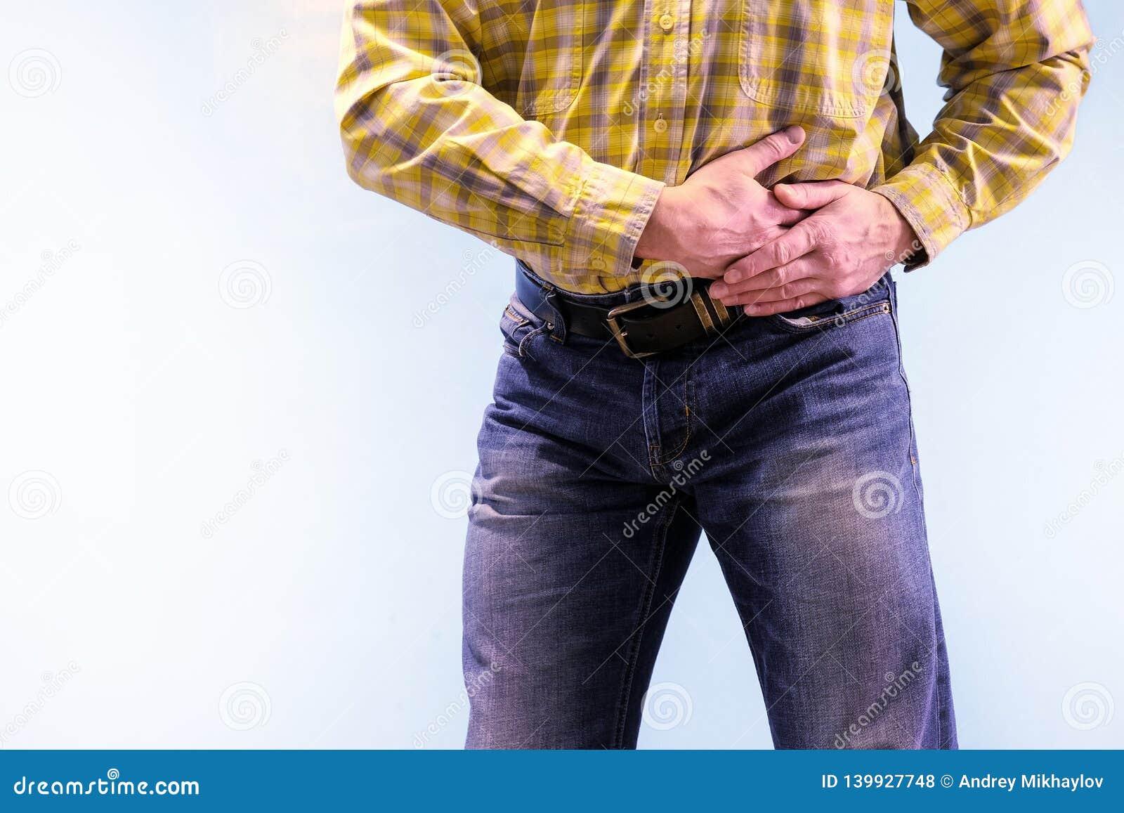 Urolithiasis Chroniczny Pancreatitis Kamienie w urynie Mężczyzna chwytał jego pachwinę w napadzie ból