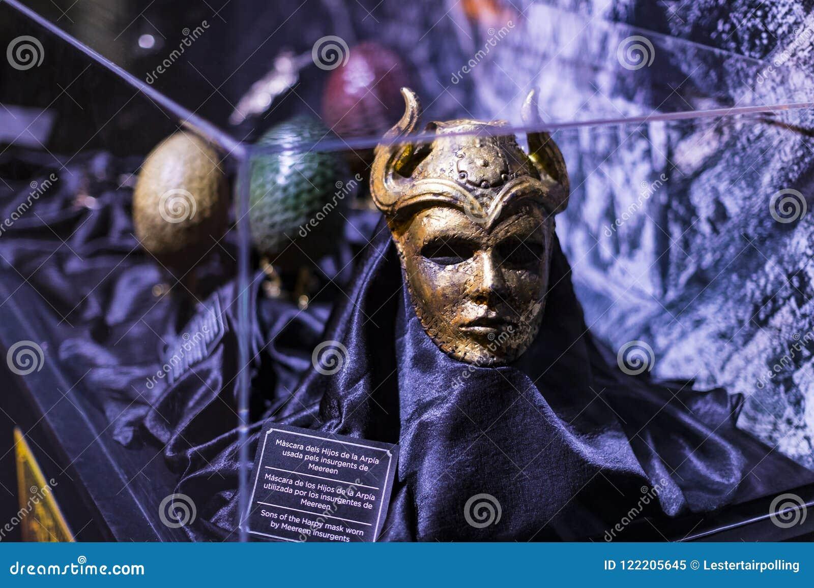 Ursprüngliche Kostüme von Schauspielern und von Stützen vom Film ` The Game von Throne ` in den Voraussetzungen des Seemuseums vo