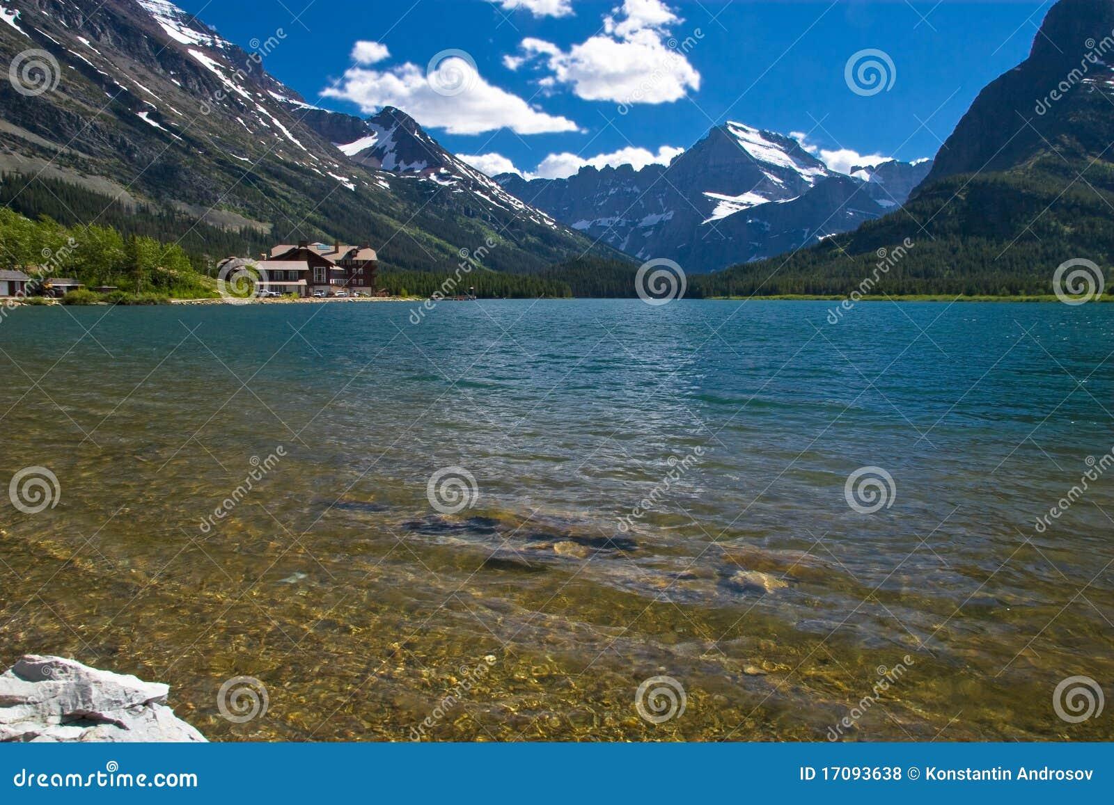 Ursprünglicher See in Rockies