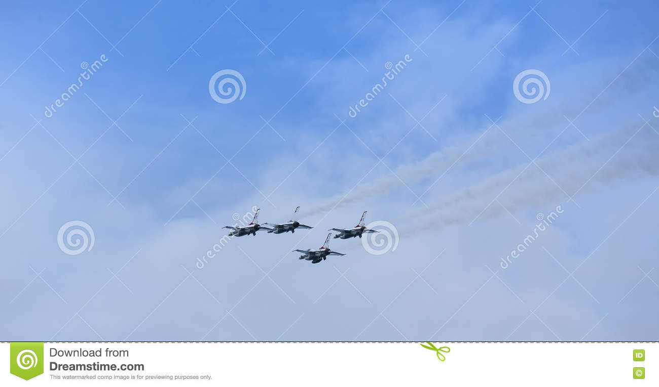 US Air Force Thunderbirds jet planes