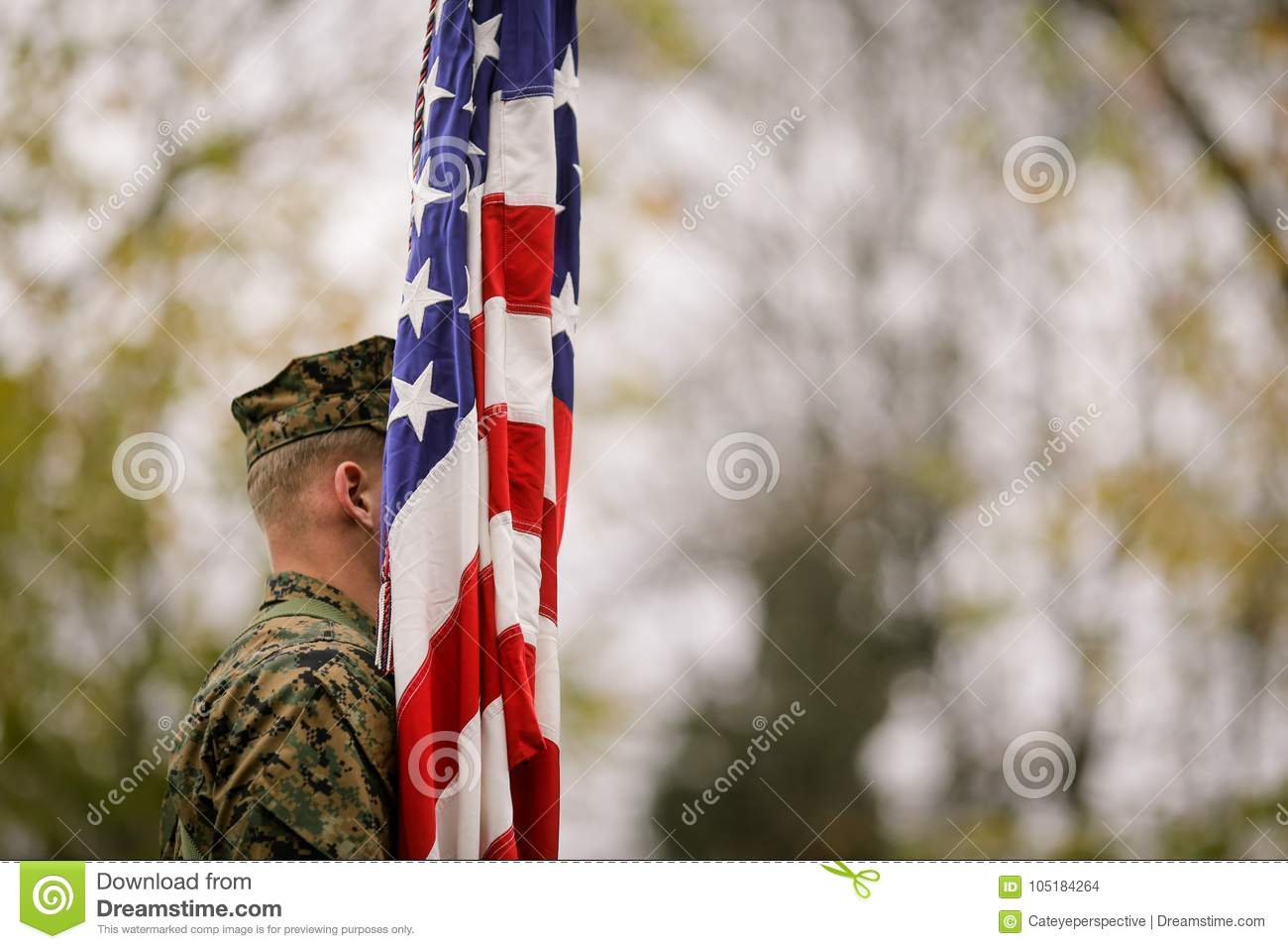 US Army soldier with US flag