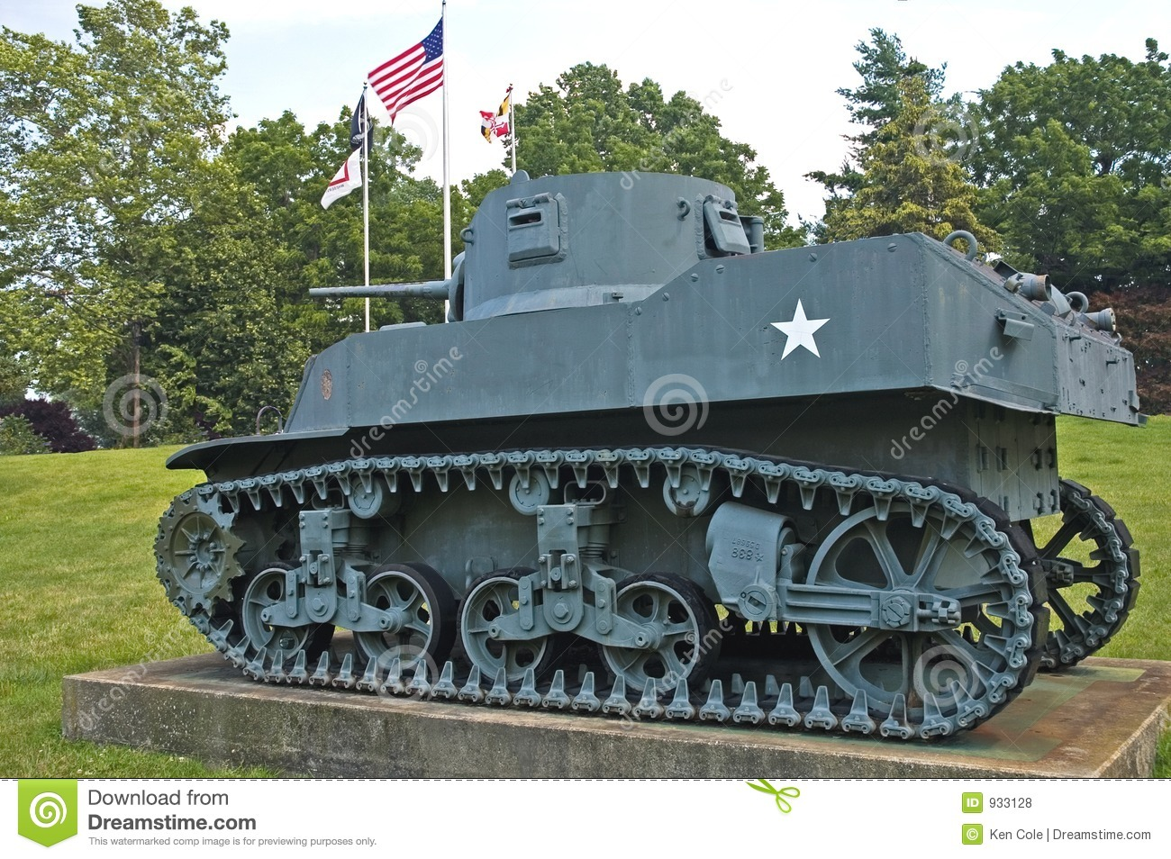 Armored Vehicles For Sale >> US Army Tank - Vintage WWII Stock Photo - Image of fire, assault: 933128