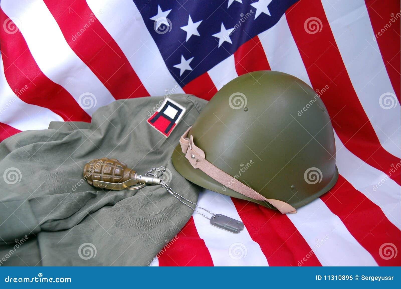 US-Markierungsfahne und historische Uniform