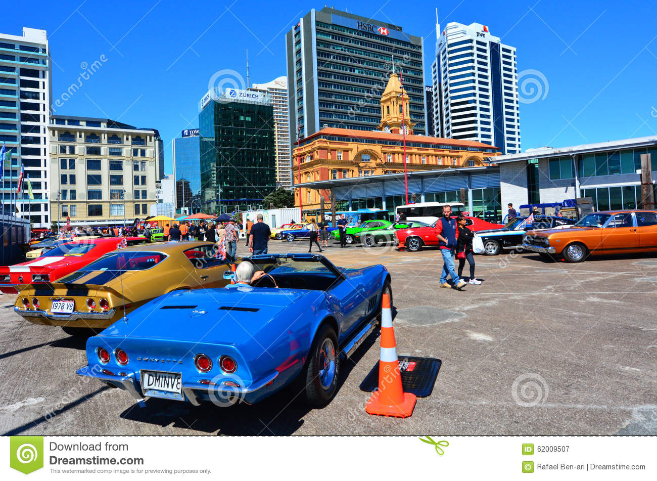 US muscle cars V8 car show editorial photography. Image of motorshow ...