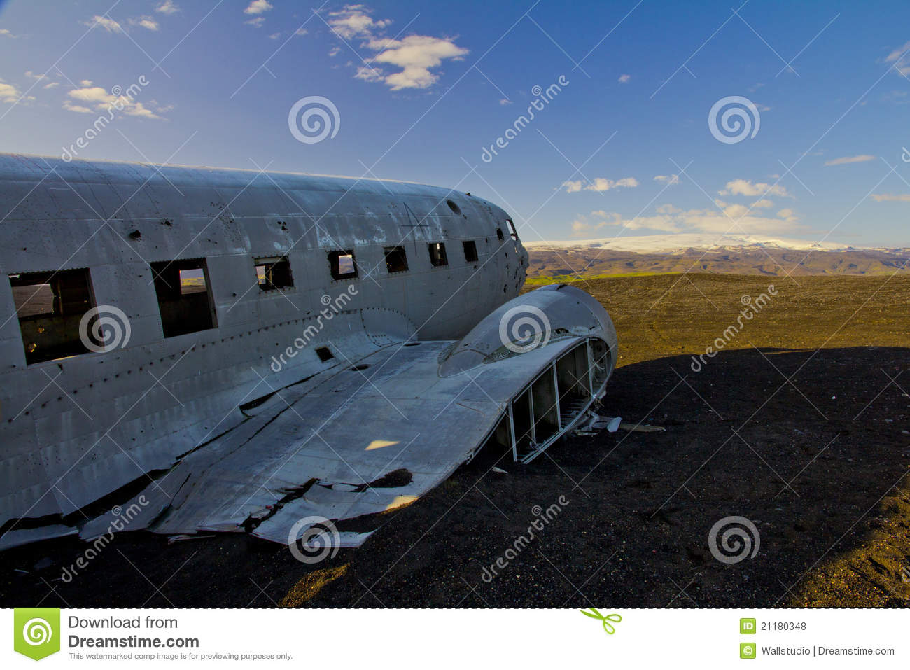 US navy plane in south Iceland