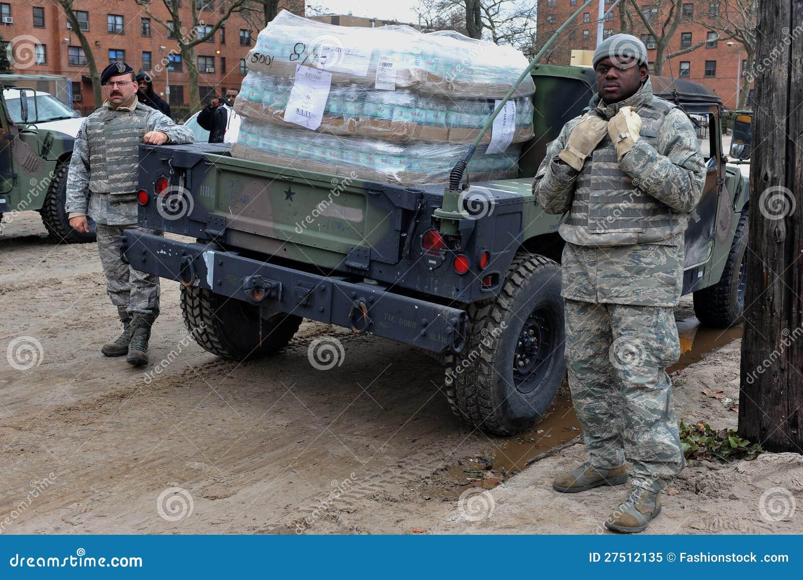 US Navy soldiers helps people