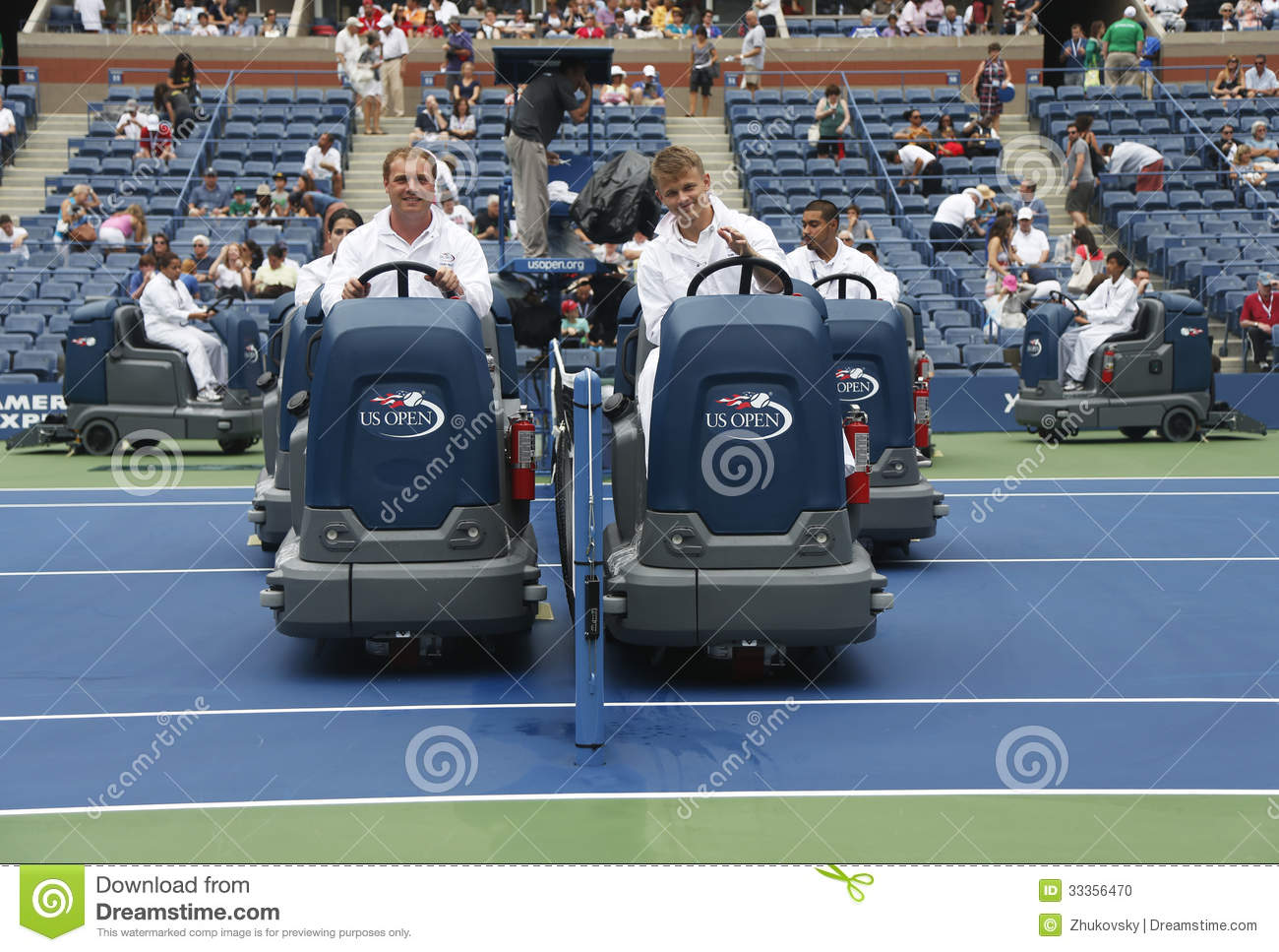 us open cleaning crew drying tennis court after rain delay at arthur ashe stadium editorial. Black Bedroom Furniture Sets. Home Design Ideas