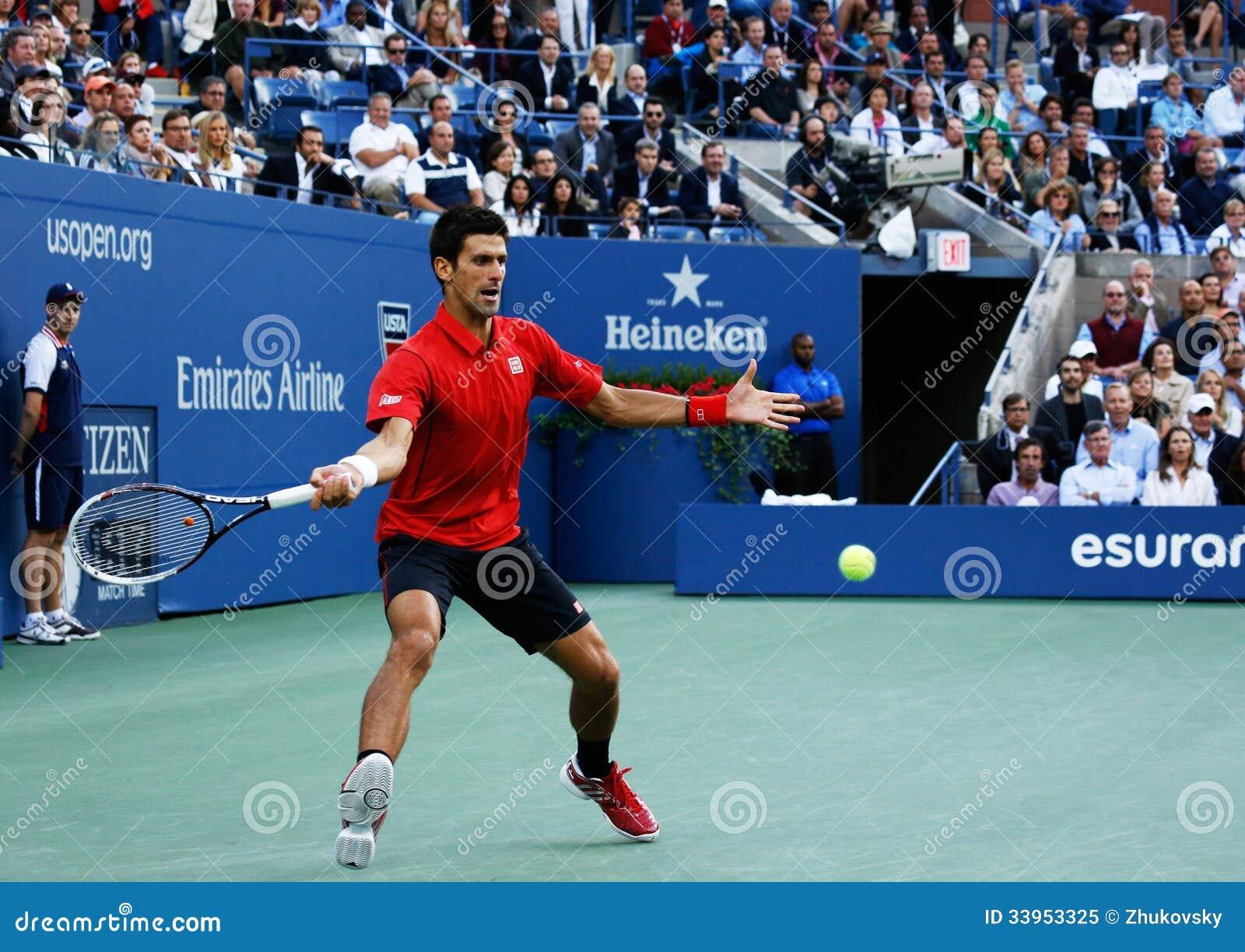 US Open 2013 finalista Novak Djokovic podczas jego definitywnego dopasowania przeciw mistrzowi Rafael Nadal