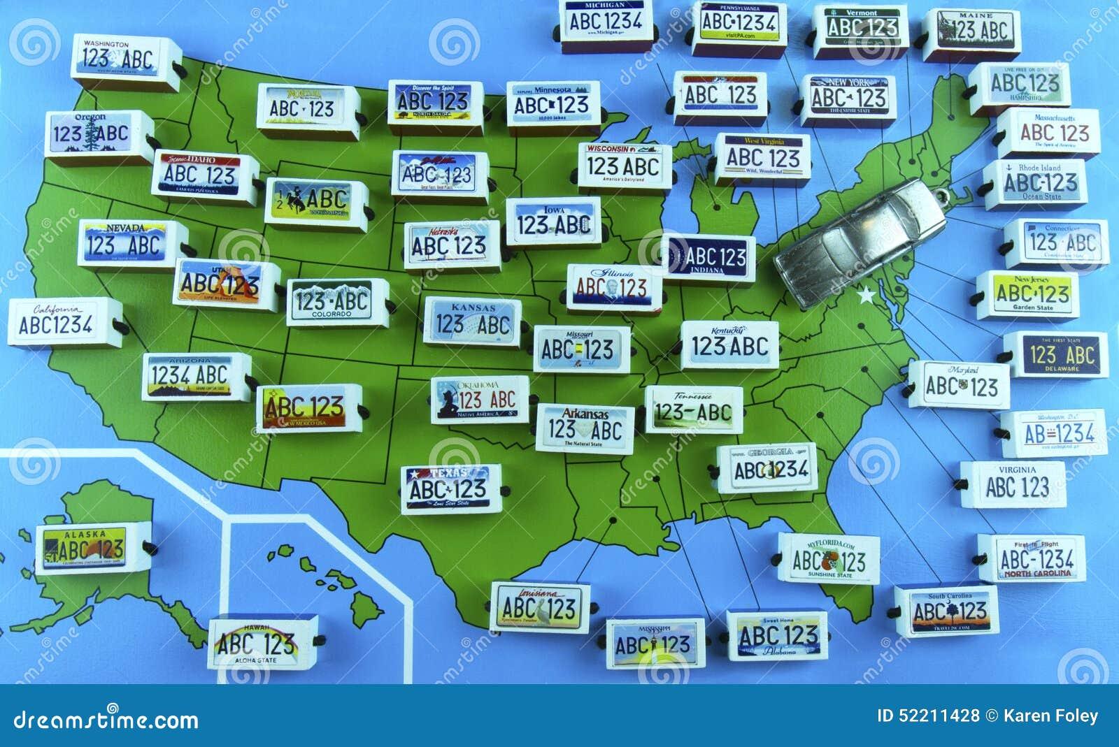 US-Staats-Kfz-Kennzeichen Auf Karte Mit Limousinen Redaktionelles ...