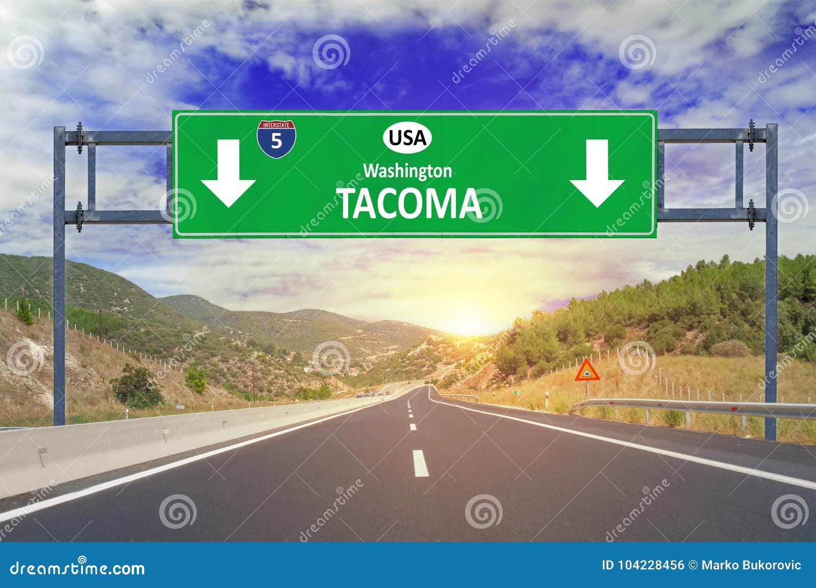 US-Stadt Tacoma-Verkehrsschild auf Landstraße