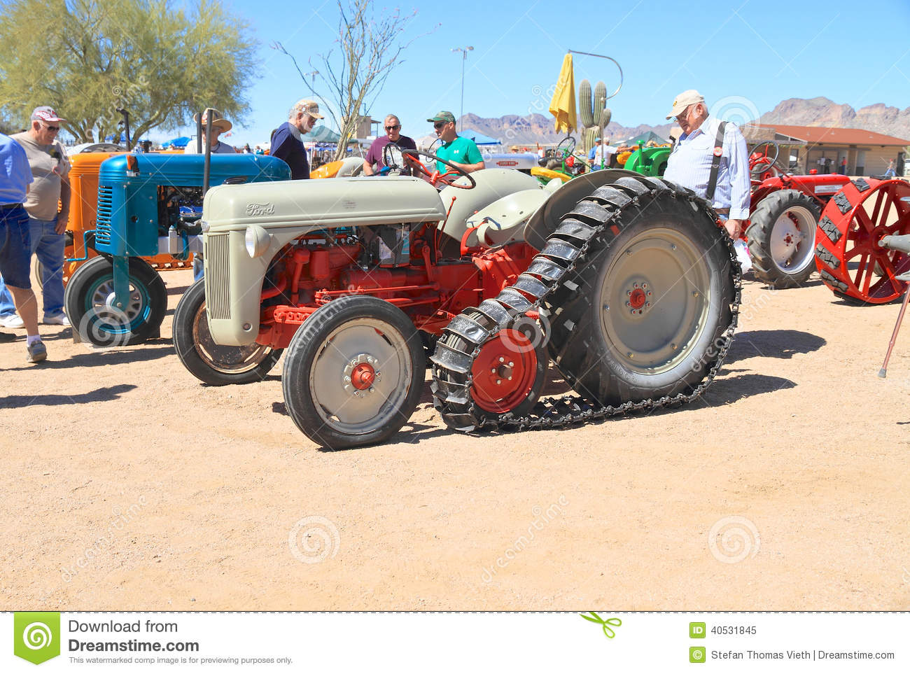 Usa Antique Tractor Ford Crawler Model N Rare Was Exhibition Apache Junction Arizona Arizona Early Day Gas Engine