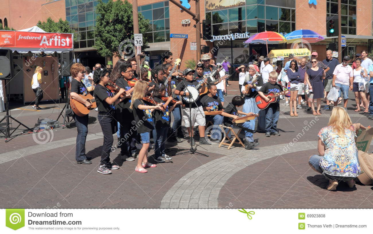 USA, Arizona/Tempe Art Festival: Young Musicians with String Instruments