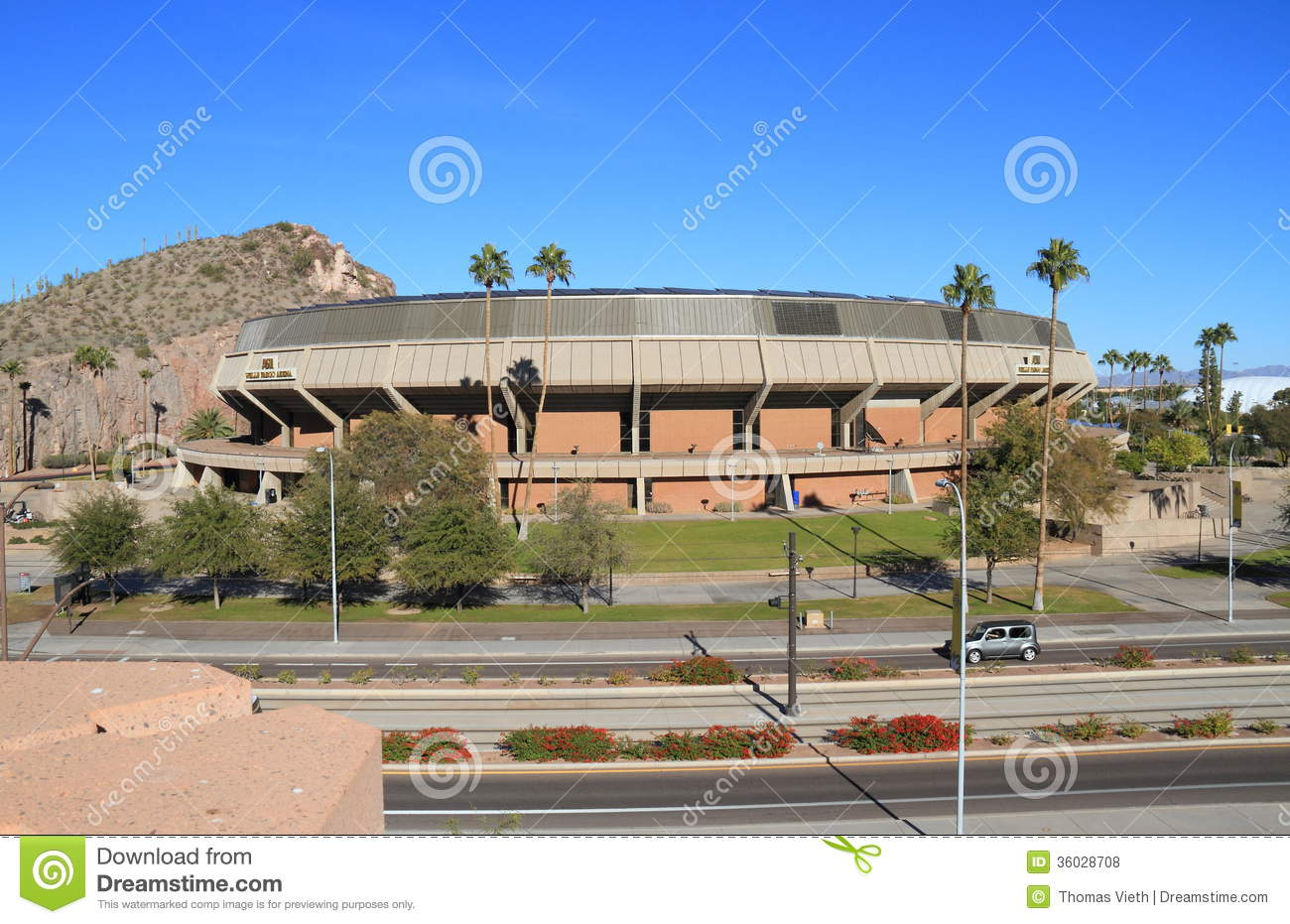 Wells Fargo Royalty Free Stock Photography Image 24487227 - Iraqi