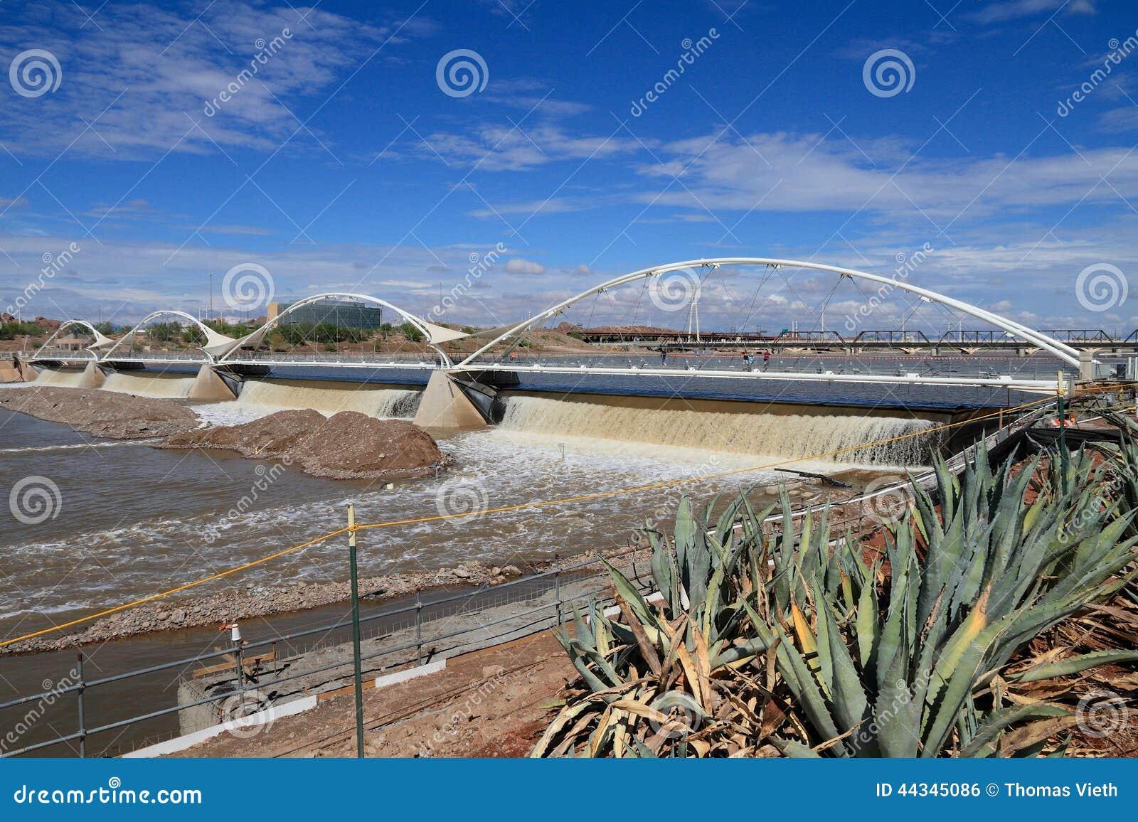 USA, AZ/Tempe: Historic Salt River Dam After Heavy Rains