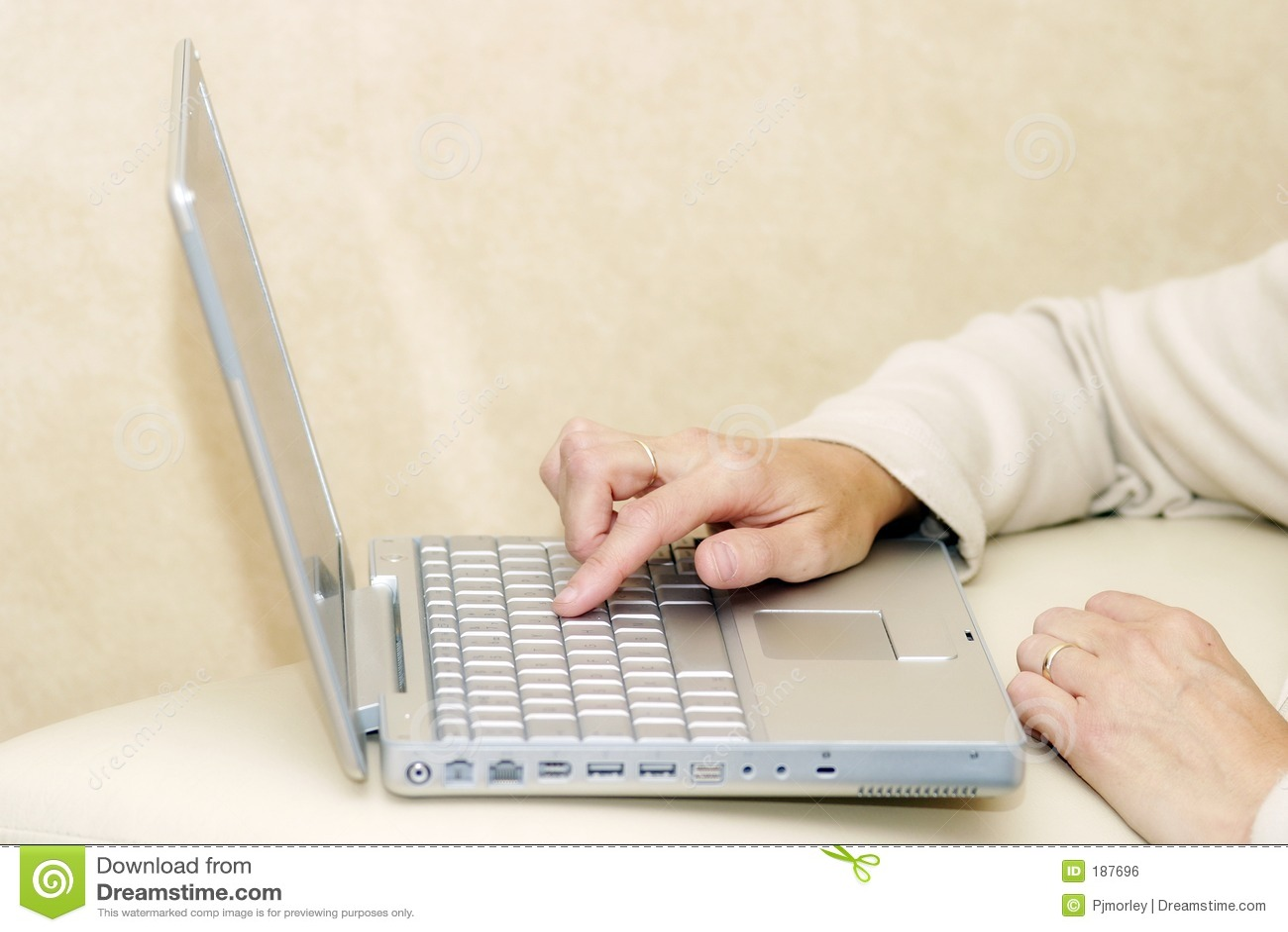 Usando una computadora portátil