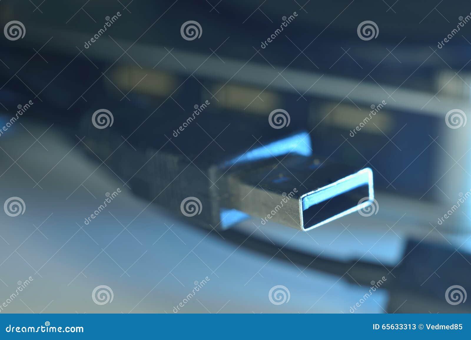 Usb bleu 3 connecteurs 0 sur le fil