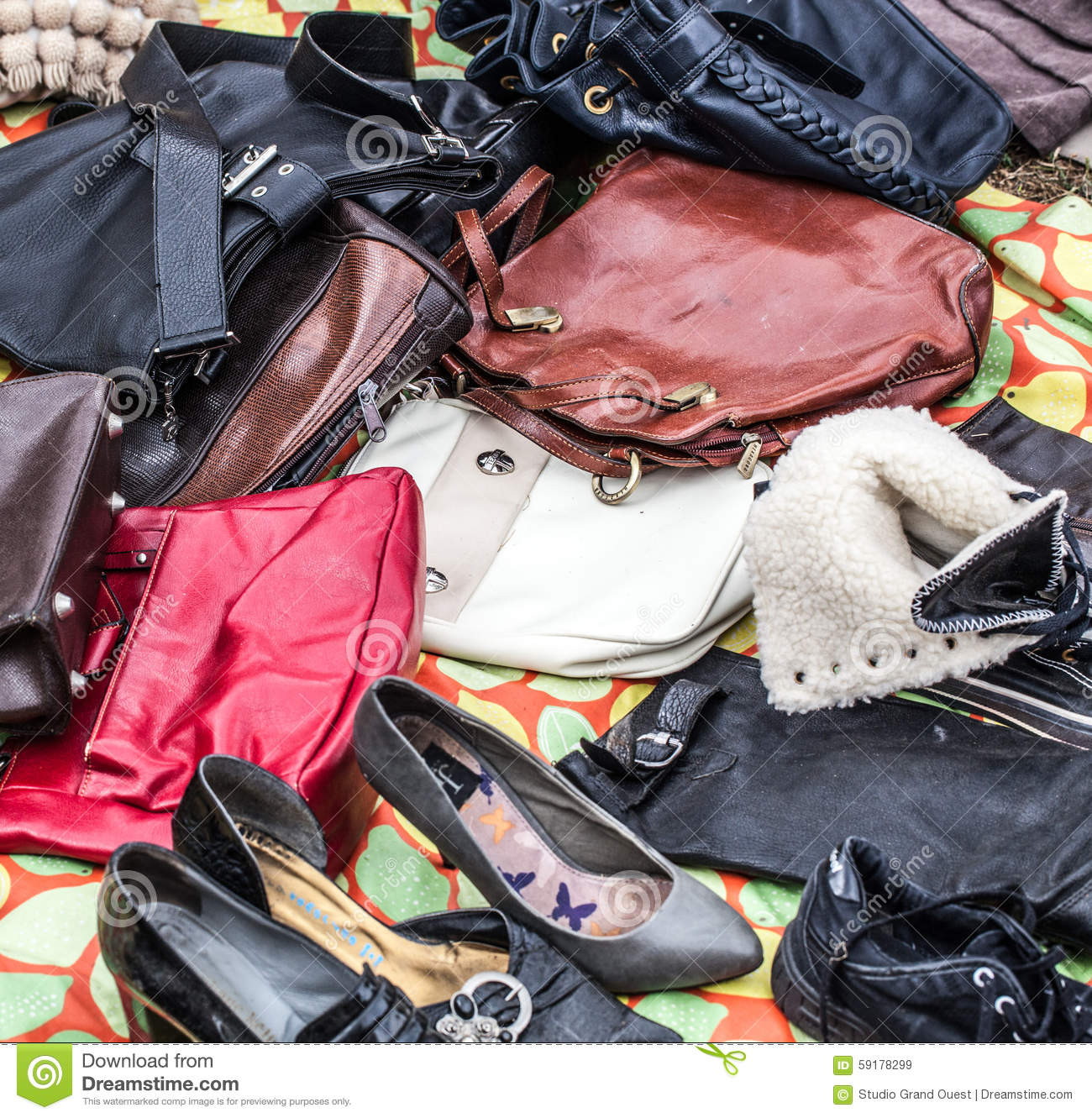 Used Leather Purses,handbags And Shoes To Re-use Stock ...