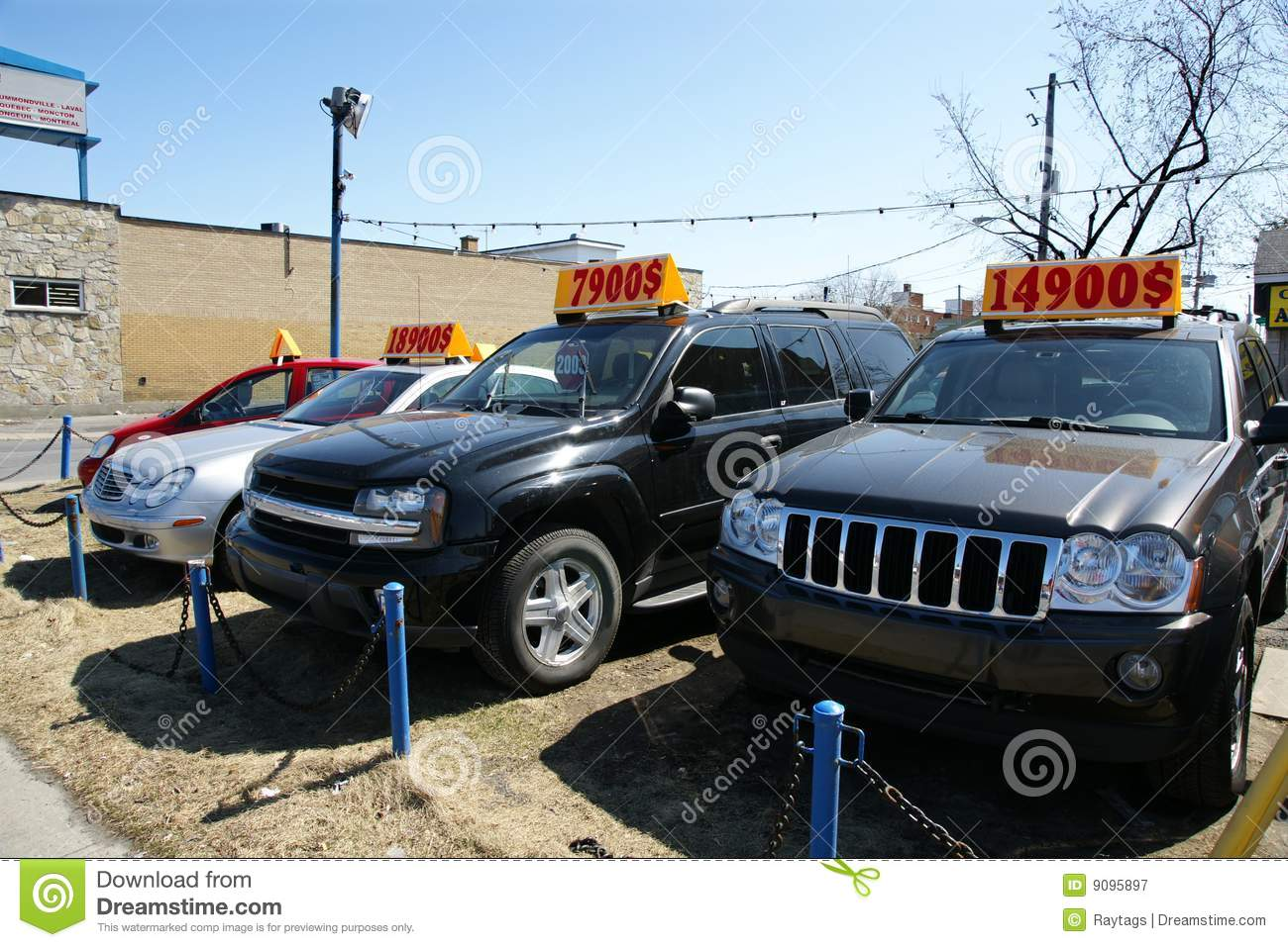 Dealer De Carros >> Used Trucks And Cars For Sale Stock Image - Image of driving, parked: 9095897
