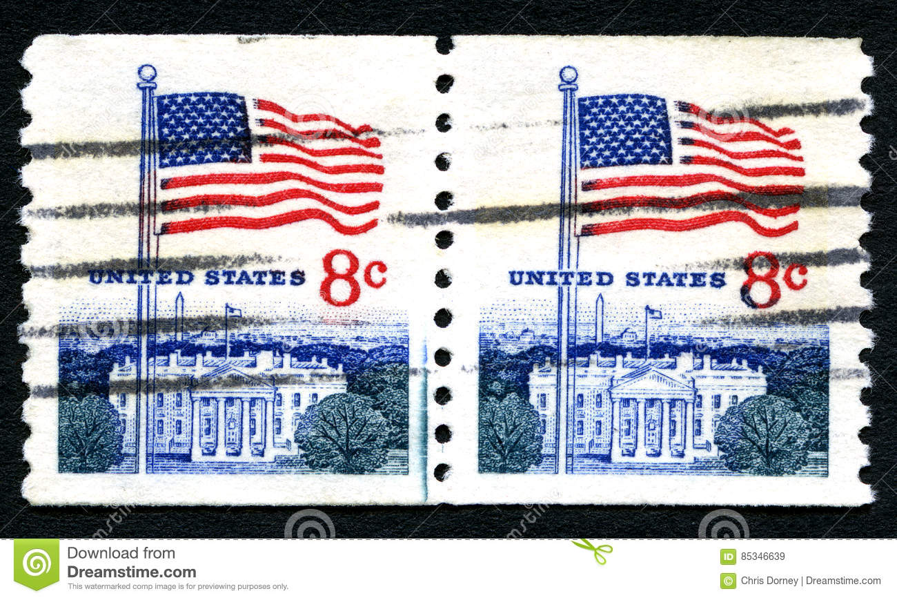 7e7861310552 UNITED STATES OF AMERICA - CIRCA 1971  A used postage stamp from the USA  depicting an illustration of the White House and the American flag