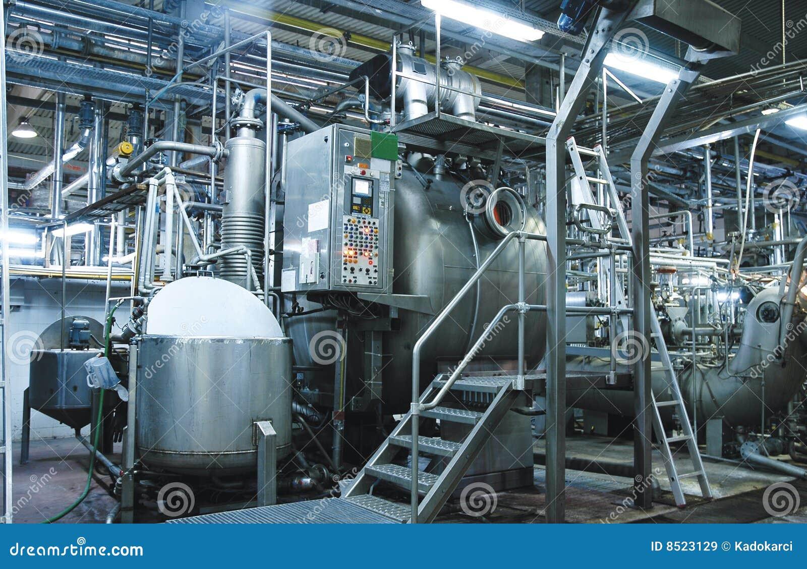 Usine images libres de droits image 8523129 for Interieur usine