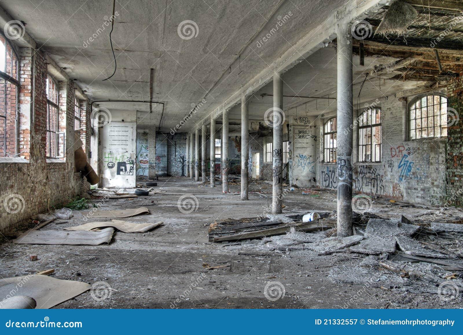 usine abandonne a vendre free sanatorium de dreux with usine abandonne a vendre cool usine. Black Bedroom Furniture Sets. Home Design Ideas