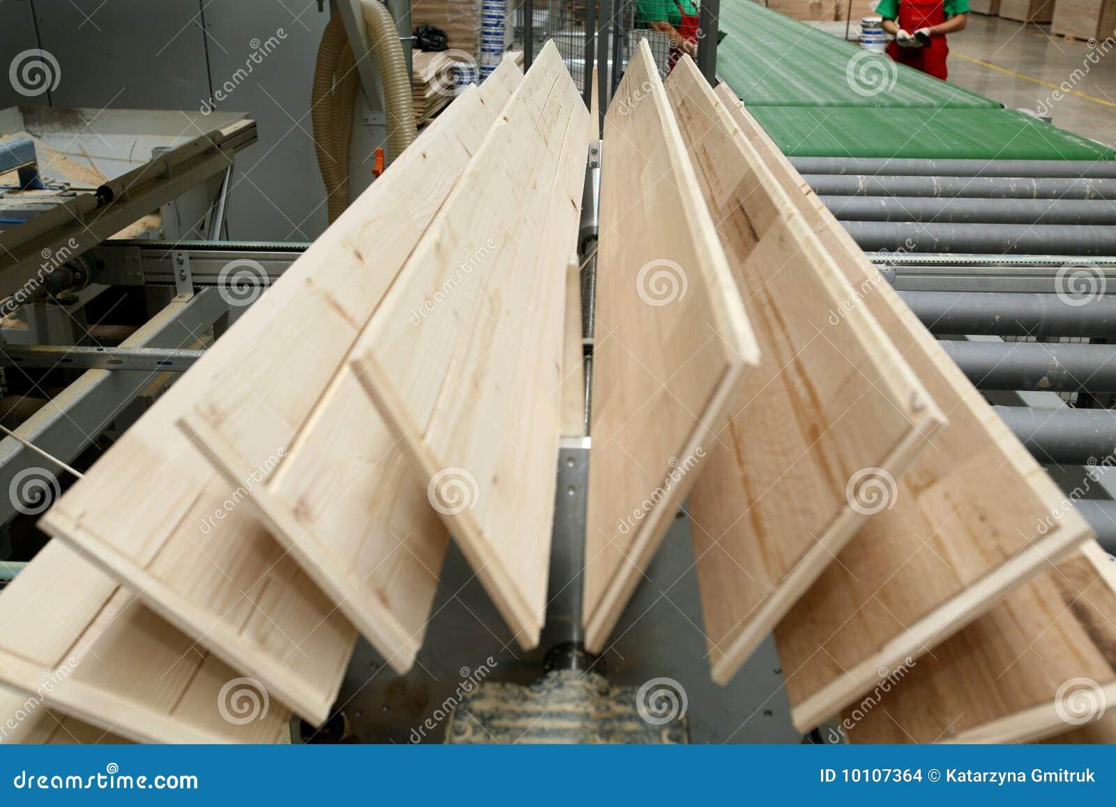 Usine de plancher de bois de construction photo stock for Construction plancher bois etage