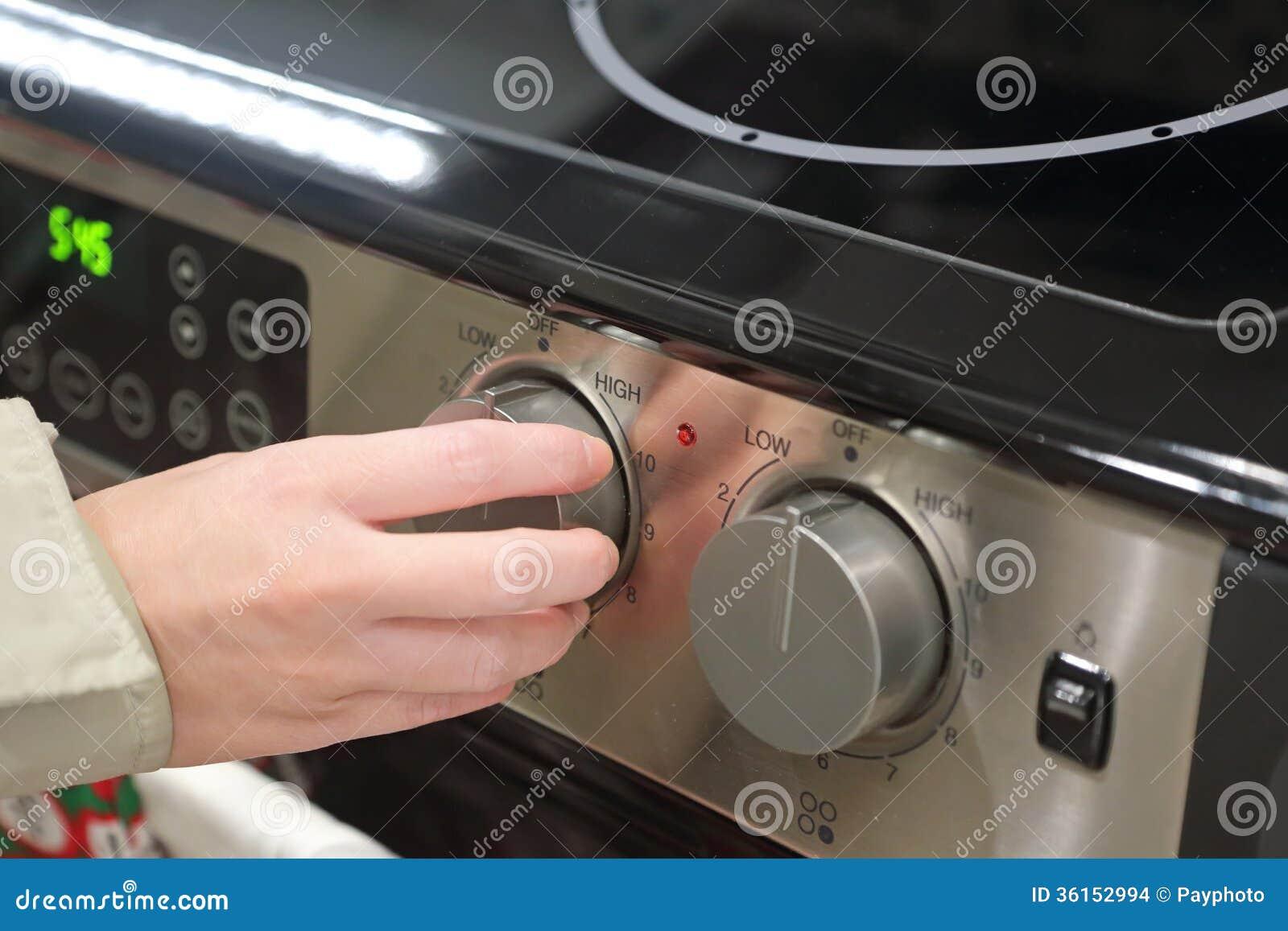 Using the Oven oven temperature control closeup. #8A6341