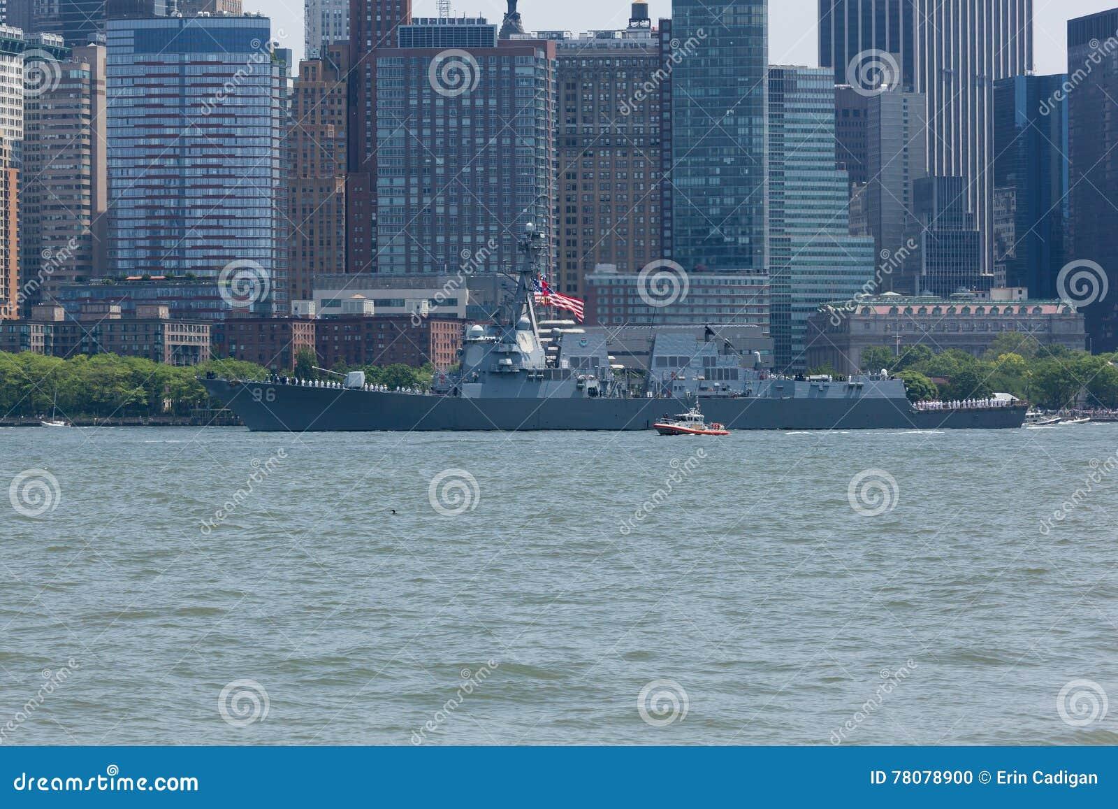 USS Bainbridge bij Vlootweek