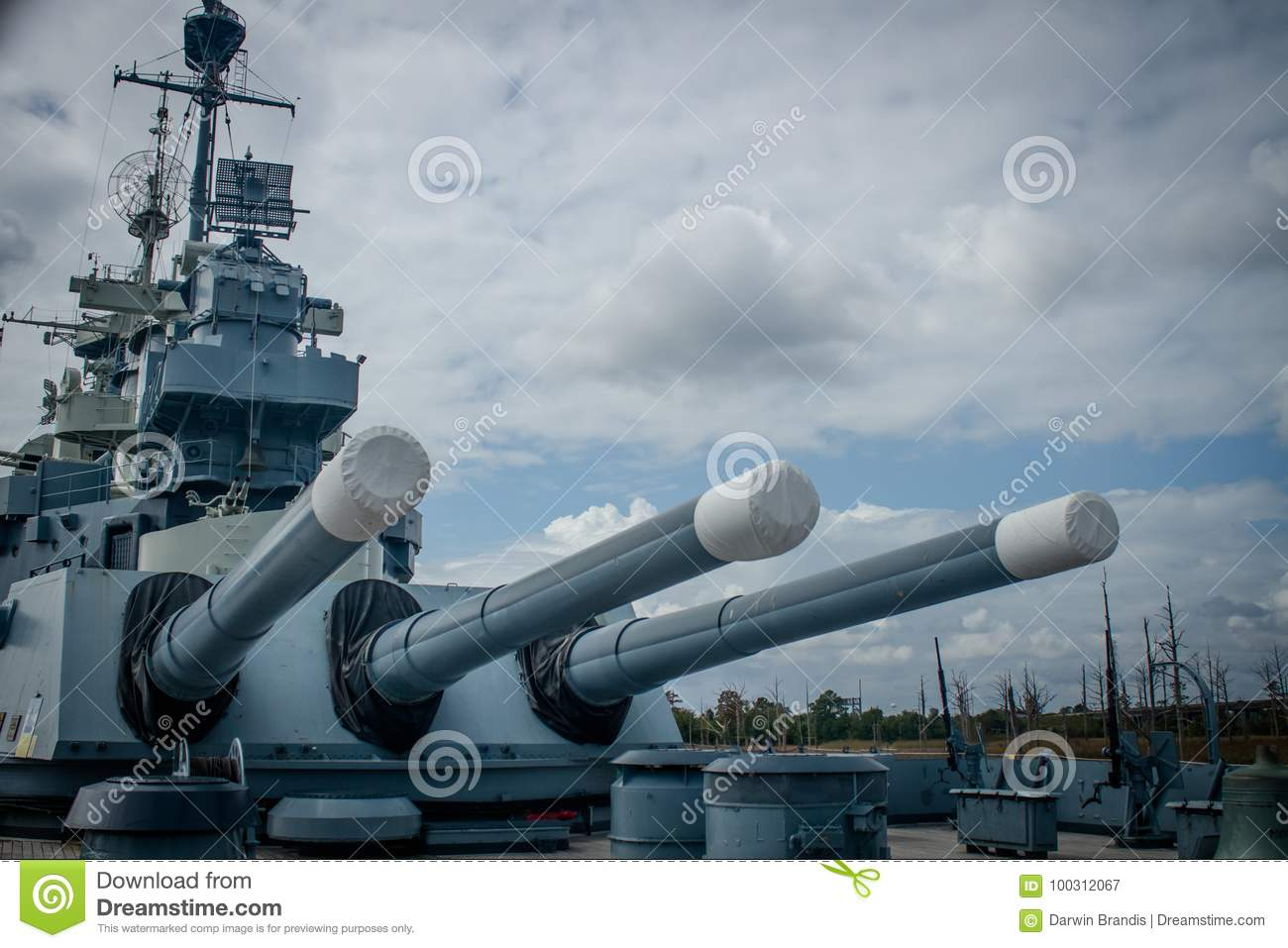 USS norr Carolina Aft Guns