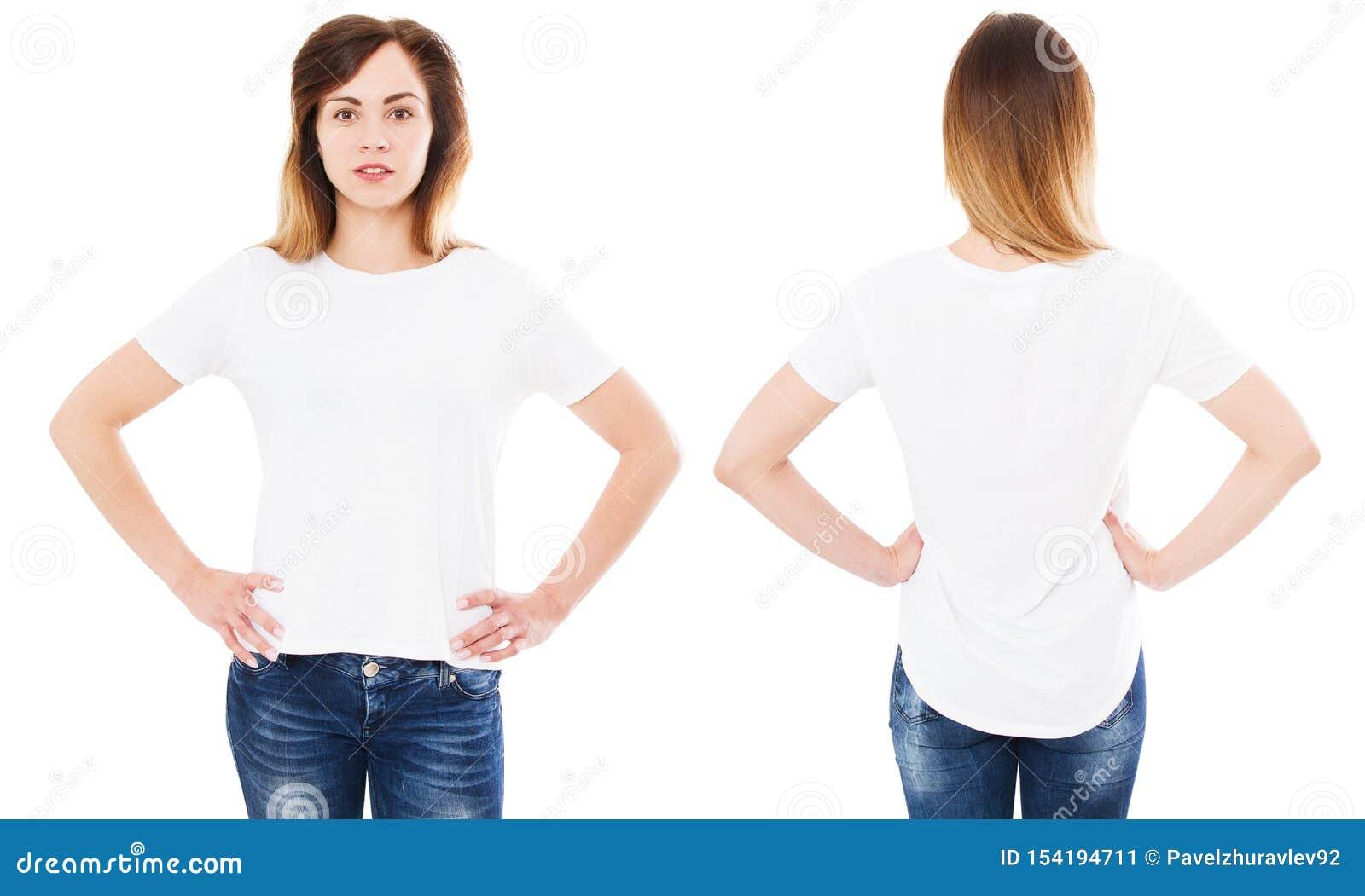 Ustalona szcz??liwa azjatykcia kobieta wskazuje z jej pust? bia?? koszulk? na podczas gdy sta? odizolowywam, korea?ska dziewczyna