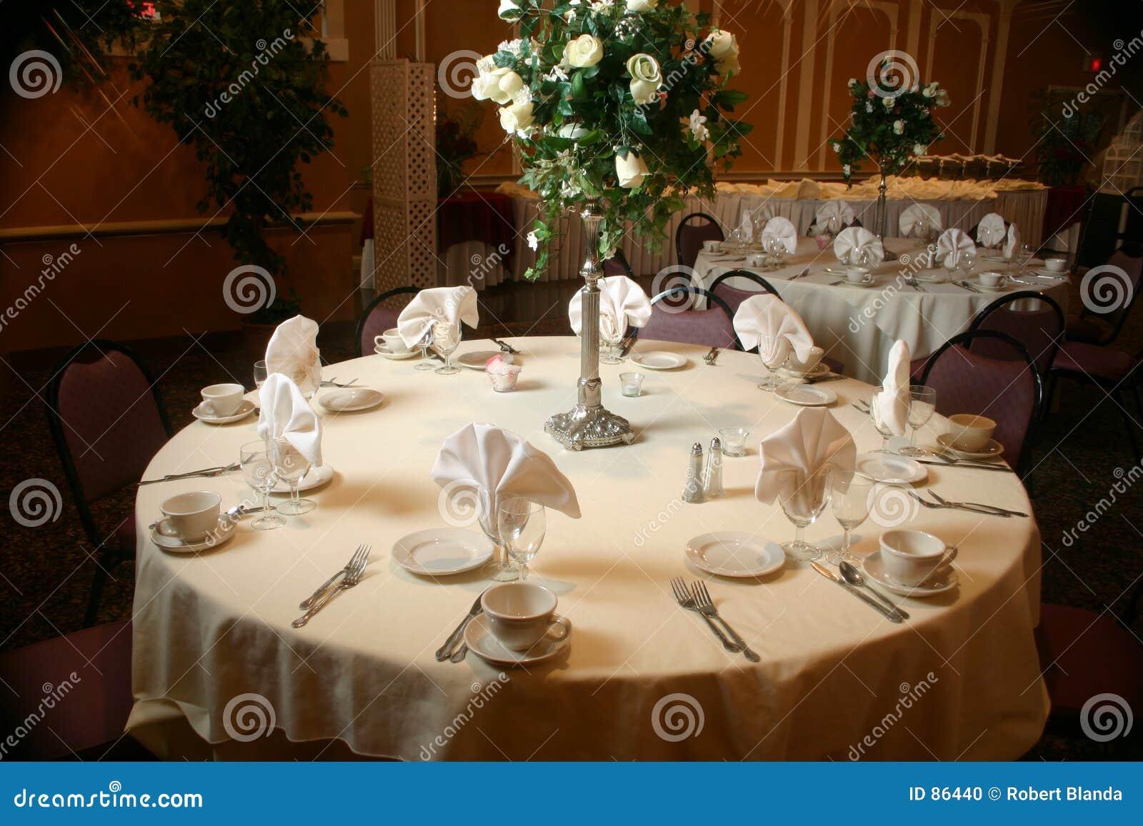 Ustawić stół ślub