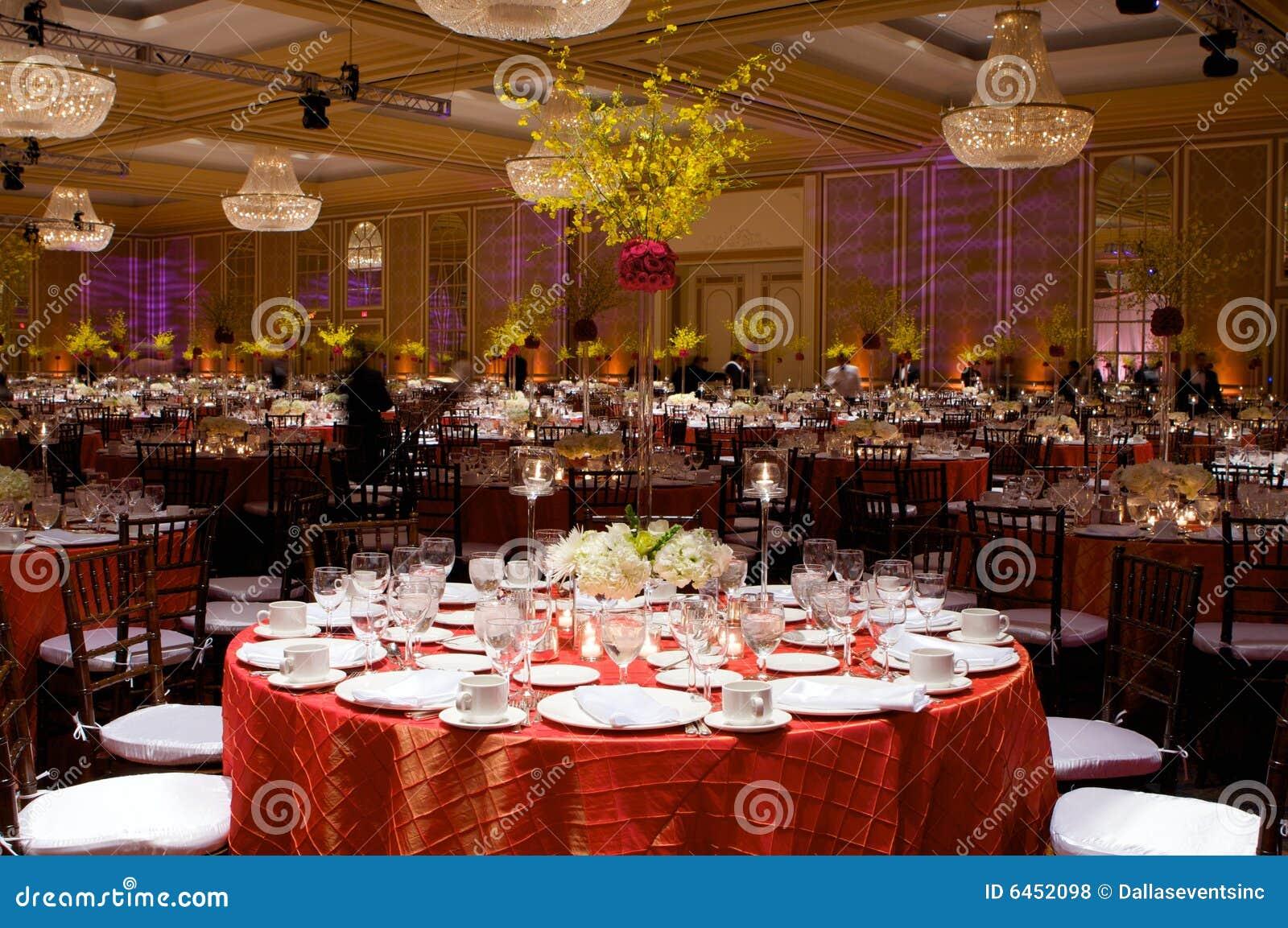 Ustawienie tabeli luksusowy przyjęcie ślub