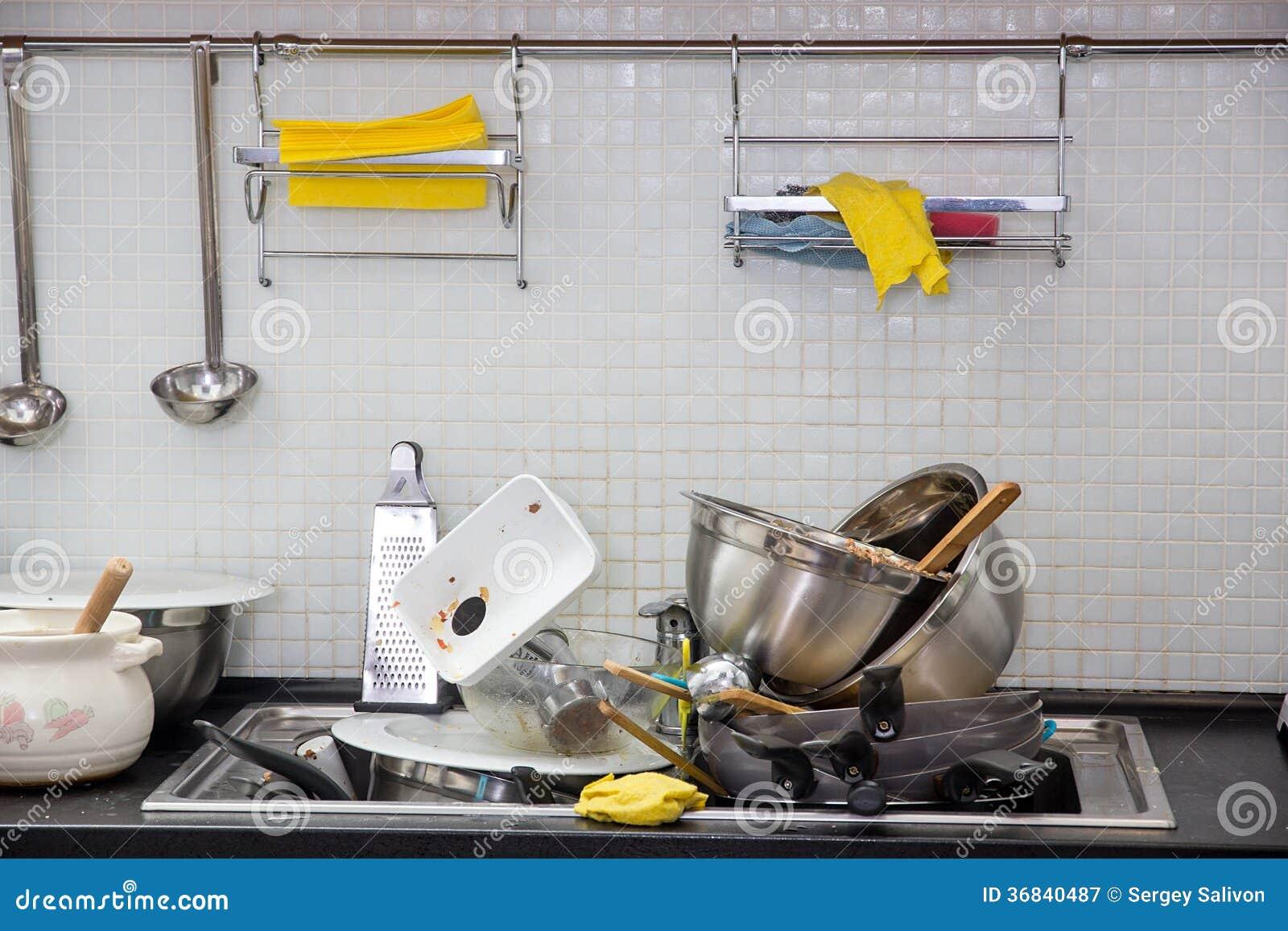 Ustensile sale sur la cuisine photographie stock libre de for Cuisine sur la 2