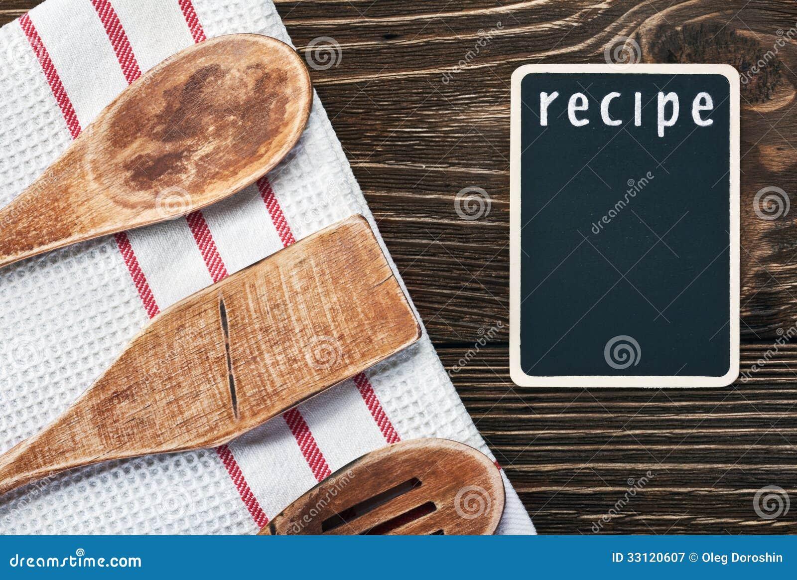 Ustensiles De Cuisine Et Un Tableau Noir Pour Ecrire Une Recette