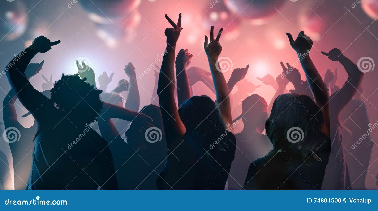 Uteliv och diskobegrepp Ungdomardansar i klubba