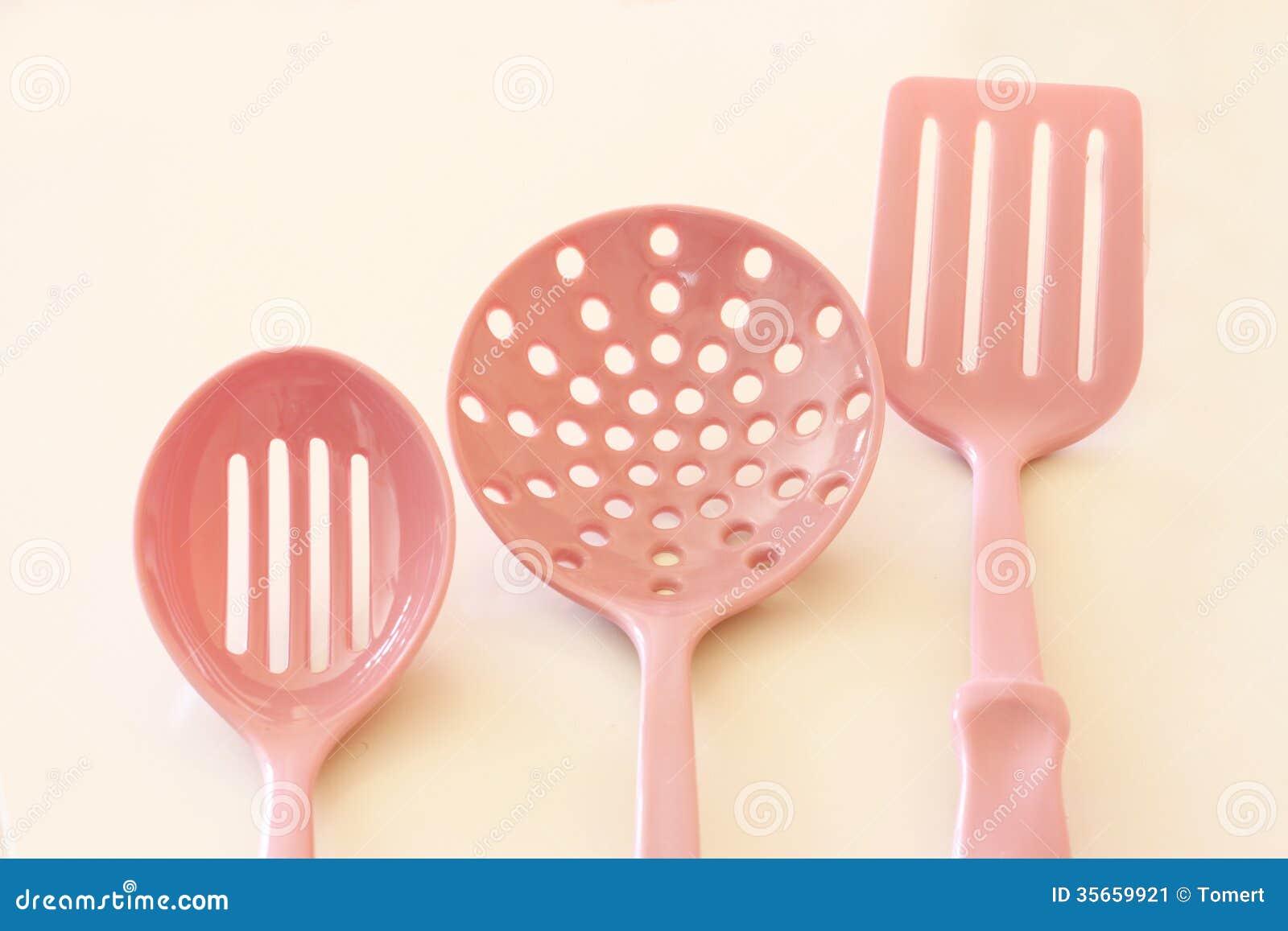 Utensili da cucina della cucina. spatole di plastica immagine stock