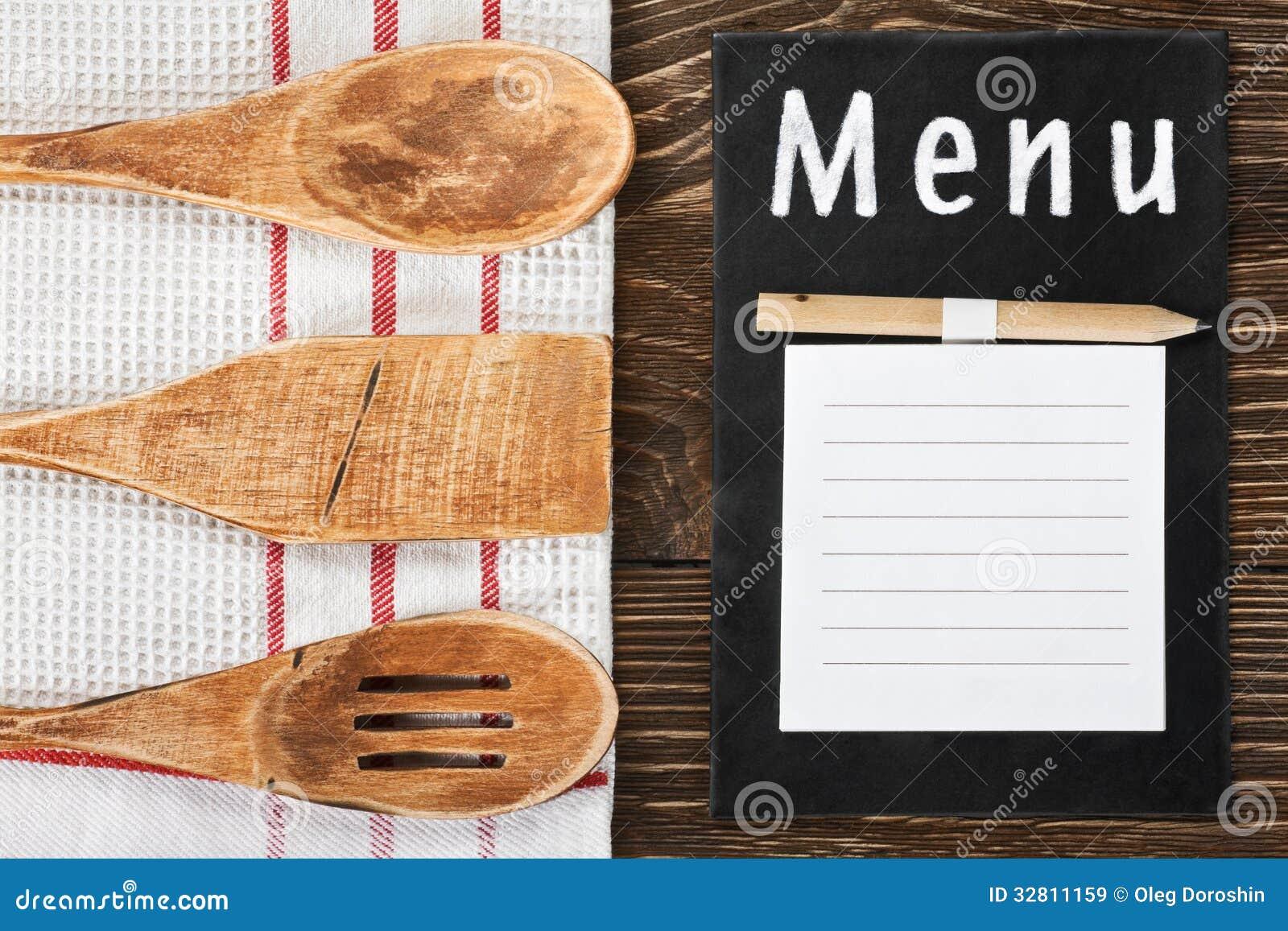Utensili Della Cucina E Un Blocco Note Per Scrivere Il