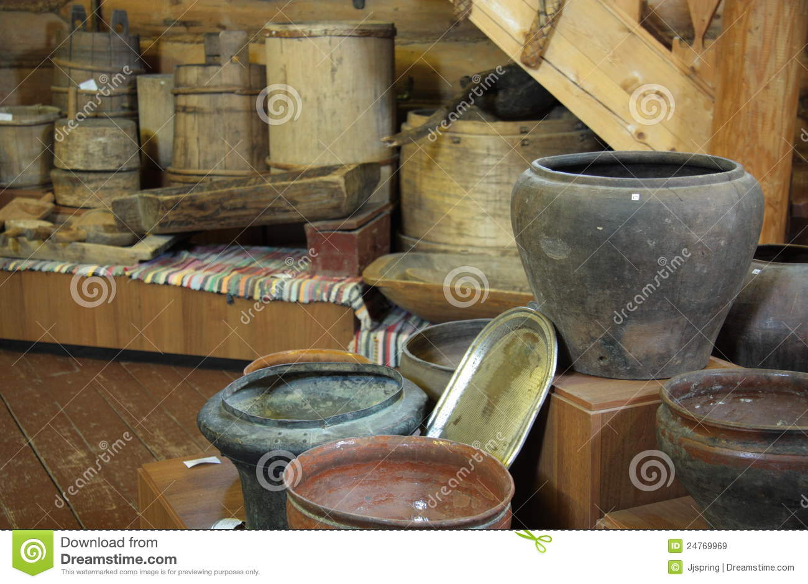 Utensilios antiguos de la cocina im genes de archivo for Utensilios antiguos de cocina