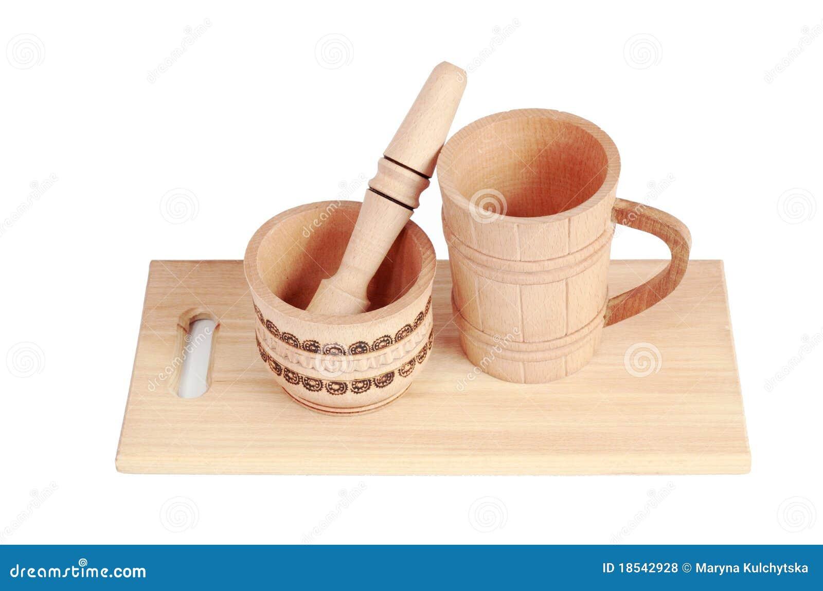 Utensilios de cocina de madera aislados en un fondo blanco for Utensilios de cocina fondo