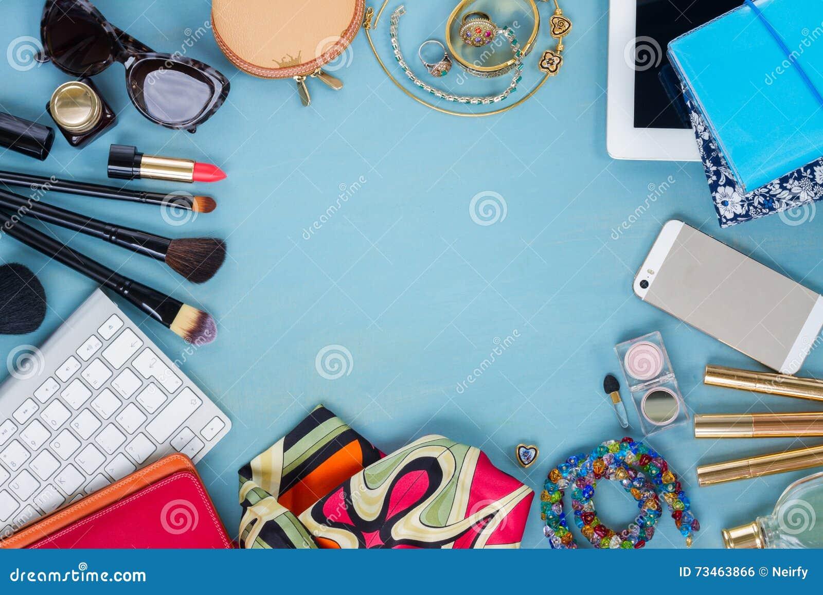 Utformat kvinnligt skrivbord