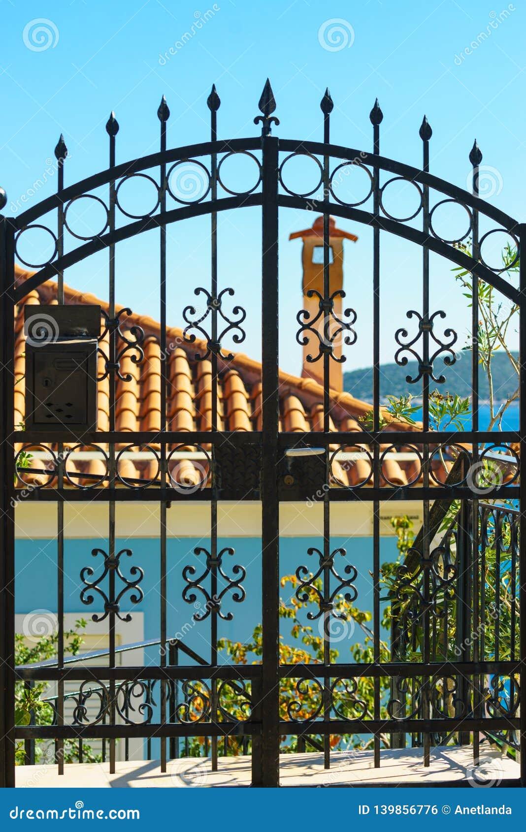 Utomhus- blått staket