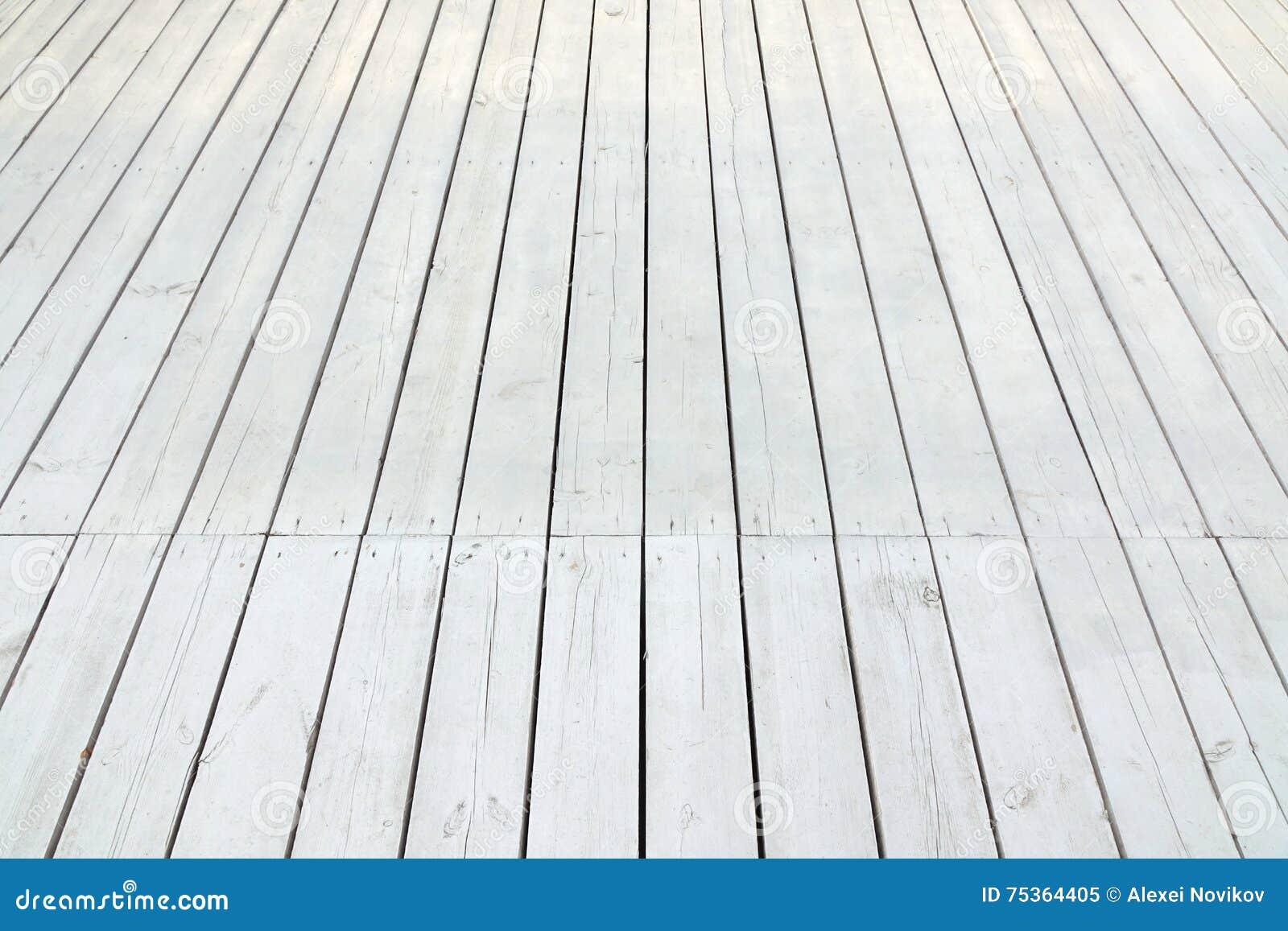 Utomhus- vitt trägolv för uteplats eller för veranda i perspektivsikt