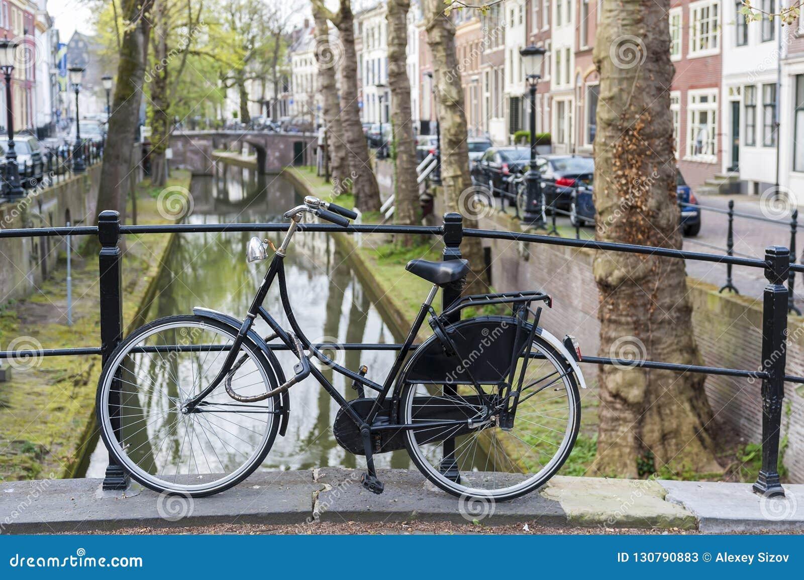 Utrecht Bici canal holanda