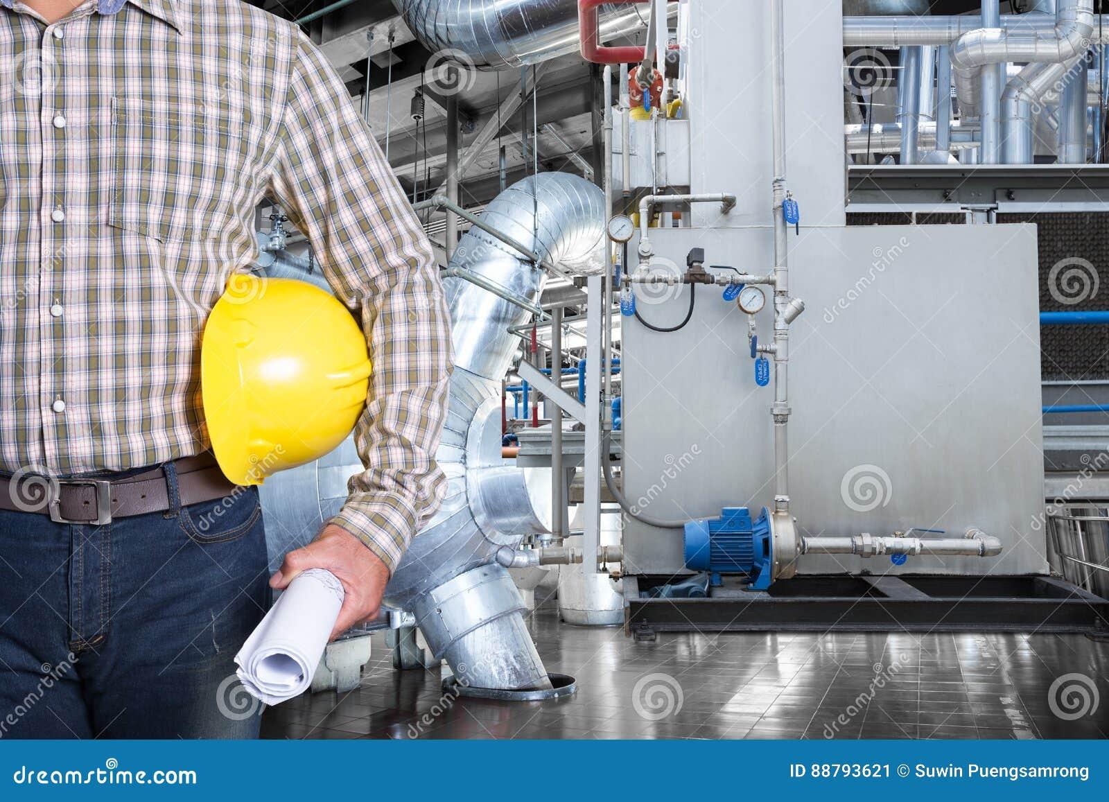 Utrzymanie technik wśrodku termicznej elektrowni fabryki