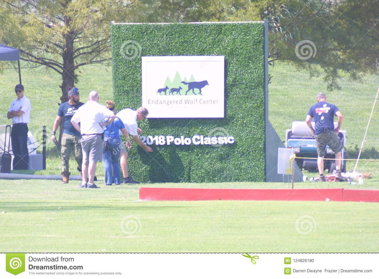 Utsatte för fara Wolf Center 2018/McGehee Polo Field