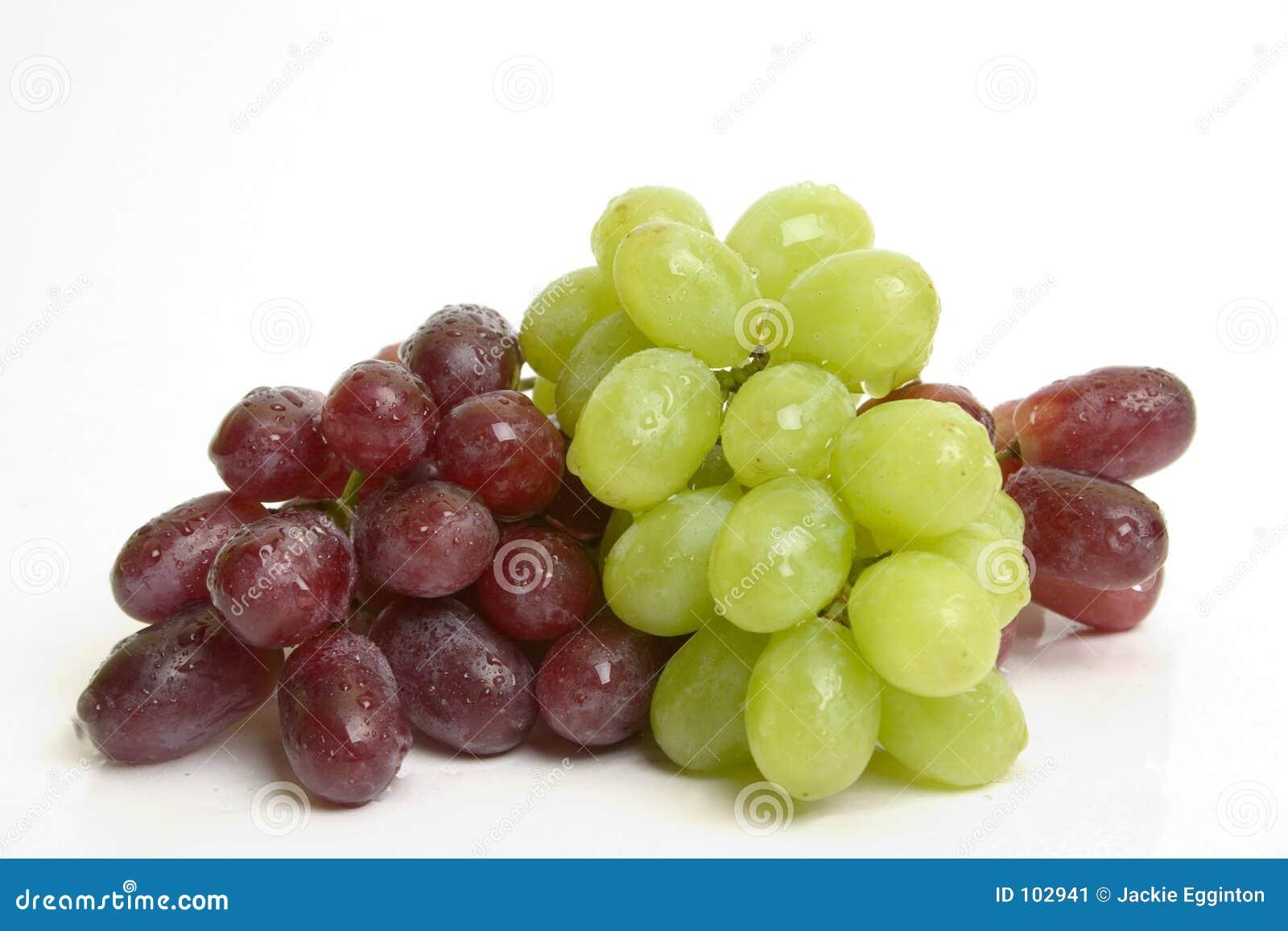 Uvas rojas y verdes