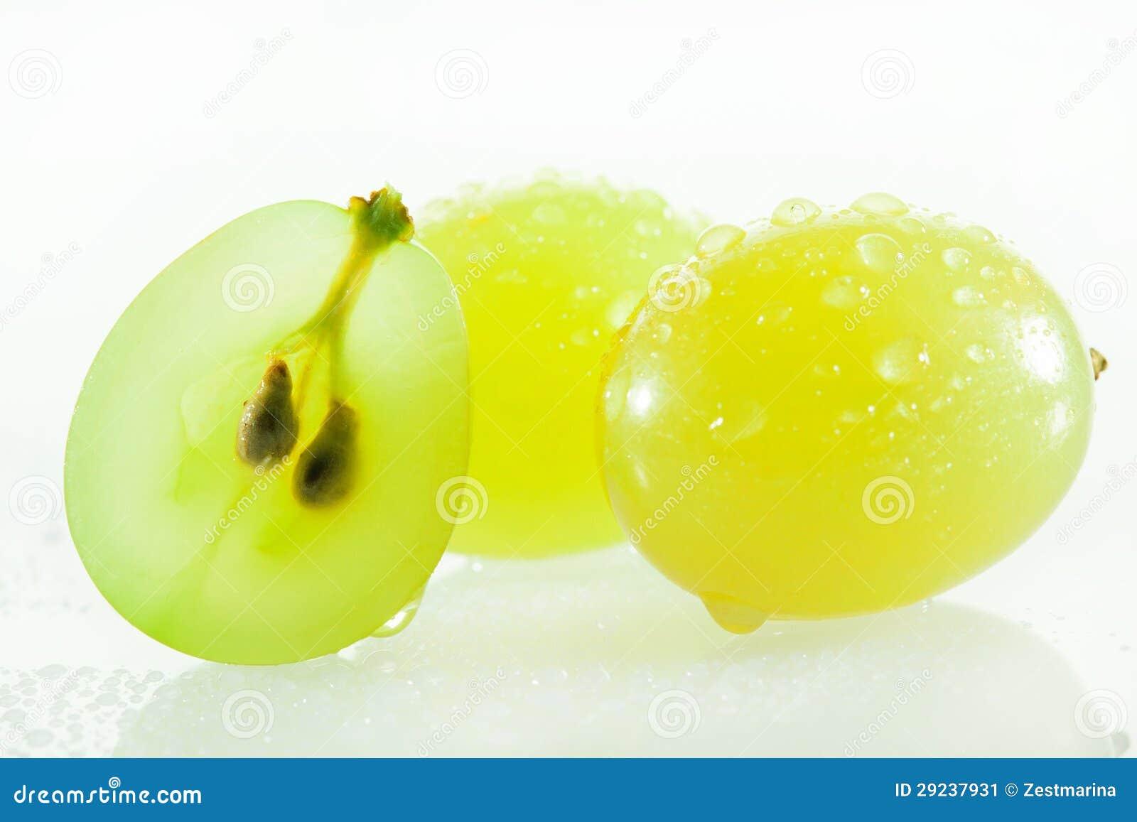 Download Uvas verdes suculentas imagem de stock. Imagem de dietético - 29237931