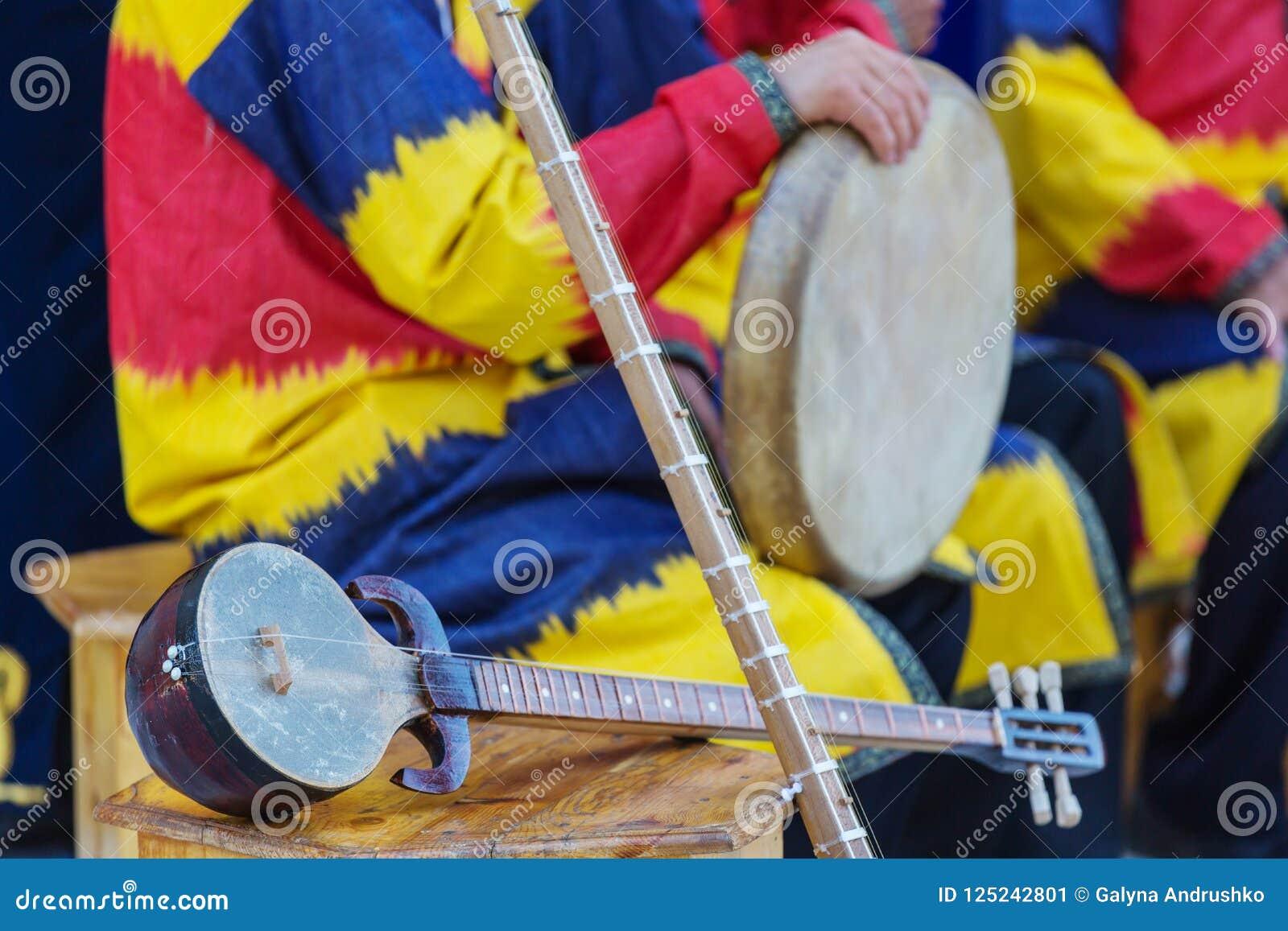 Uzbek folk music