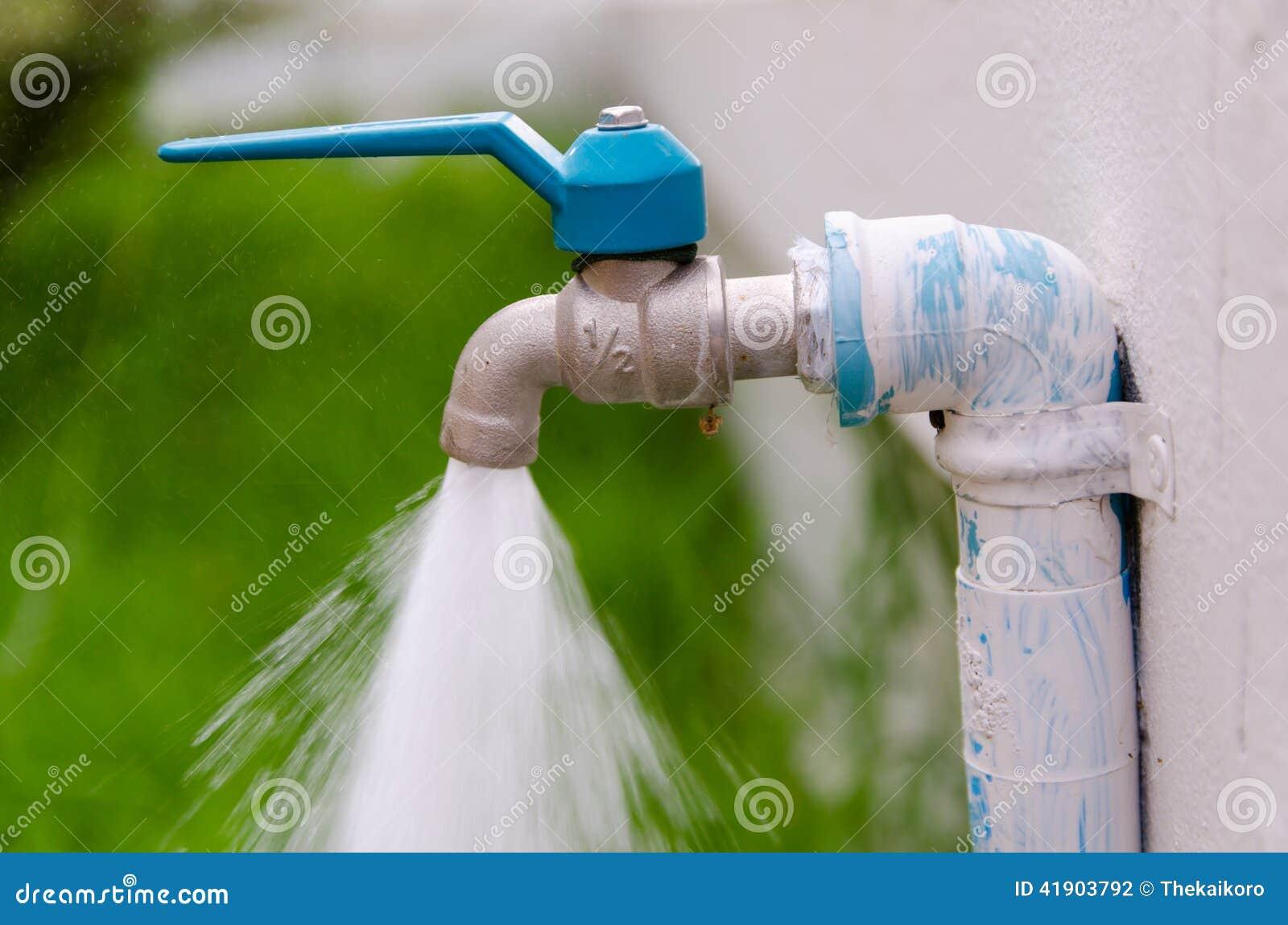 Válvula del agua de la etiqueta