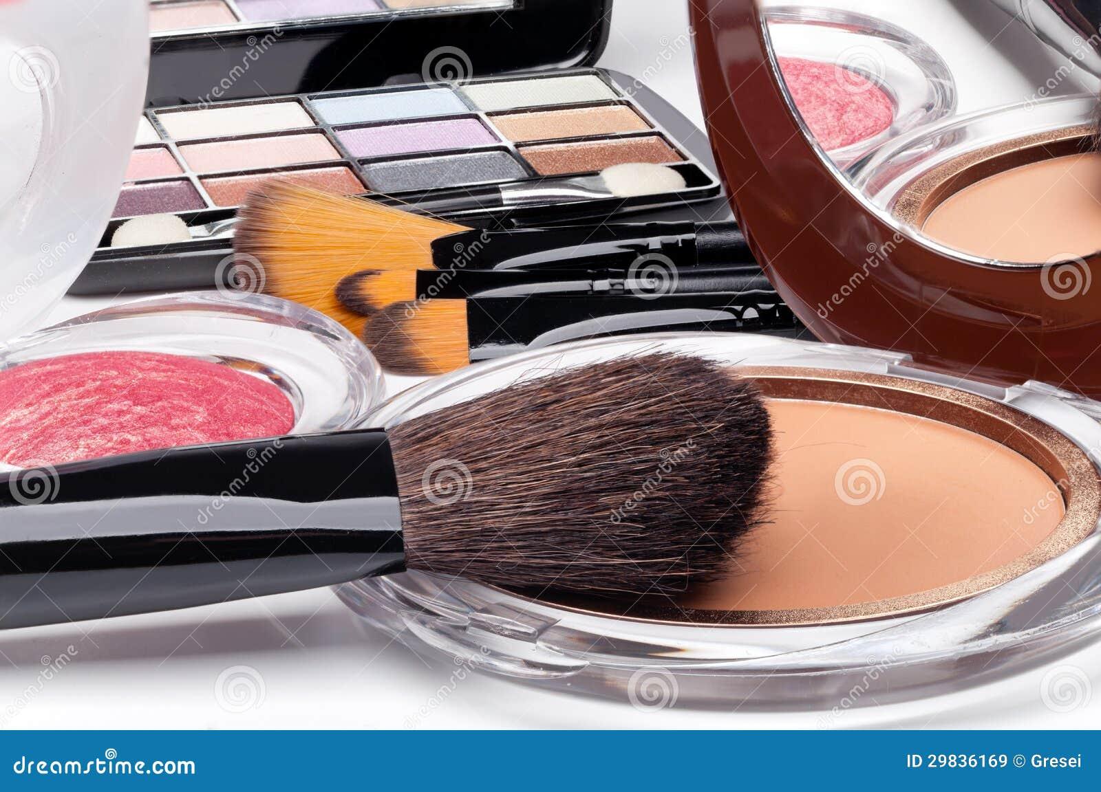 Vários cosméticos